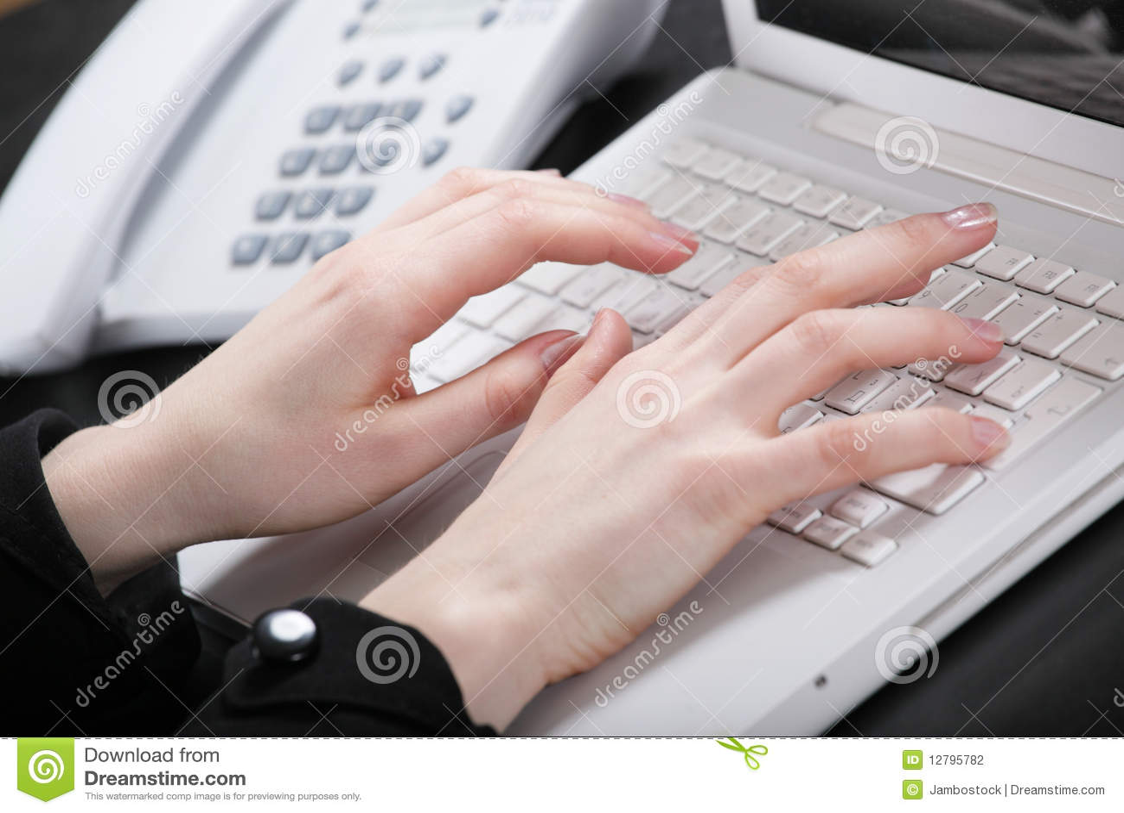 女性现有量关键董事会打印文本
