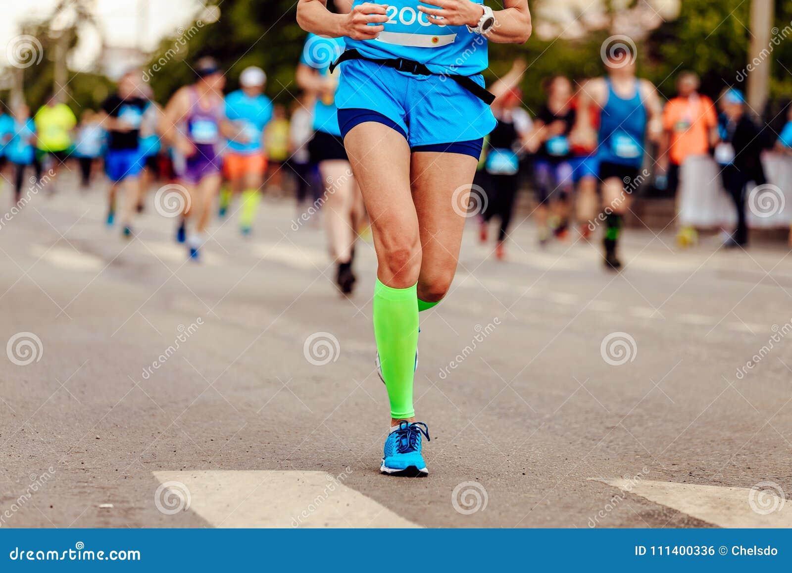 女性赛跑者运动员
