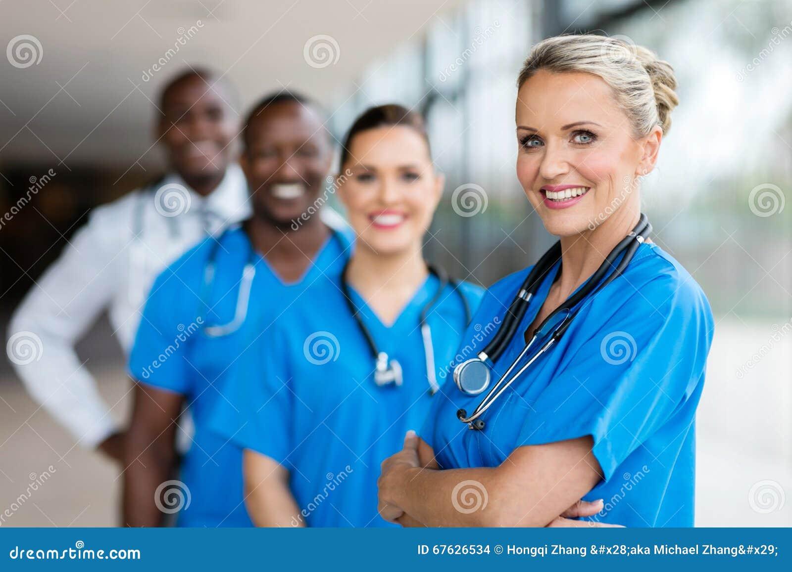 女性医生常设队