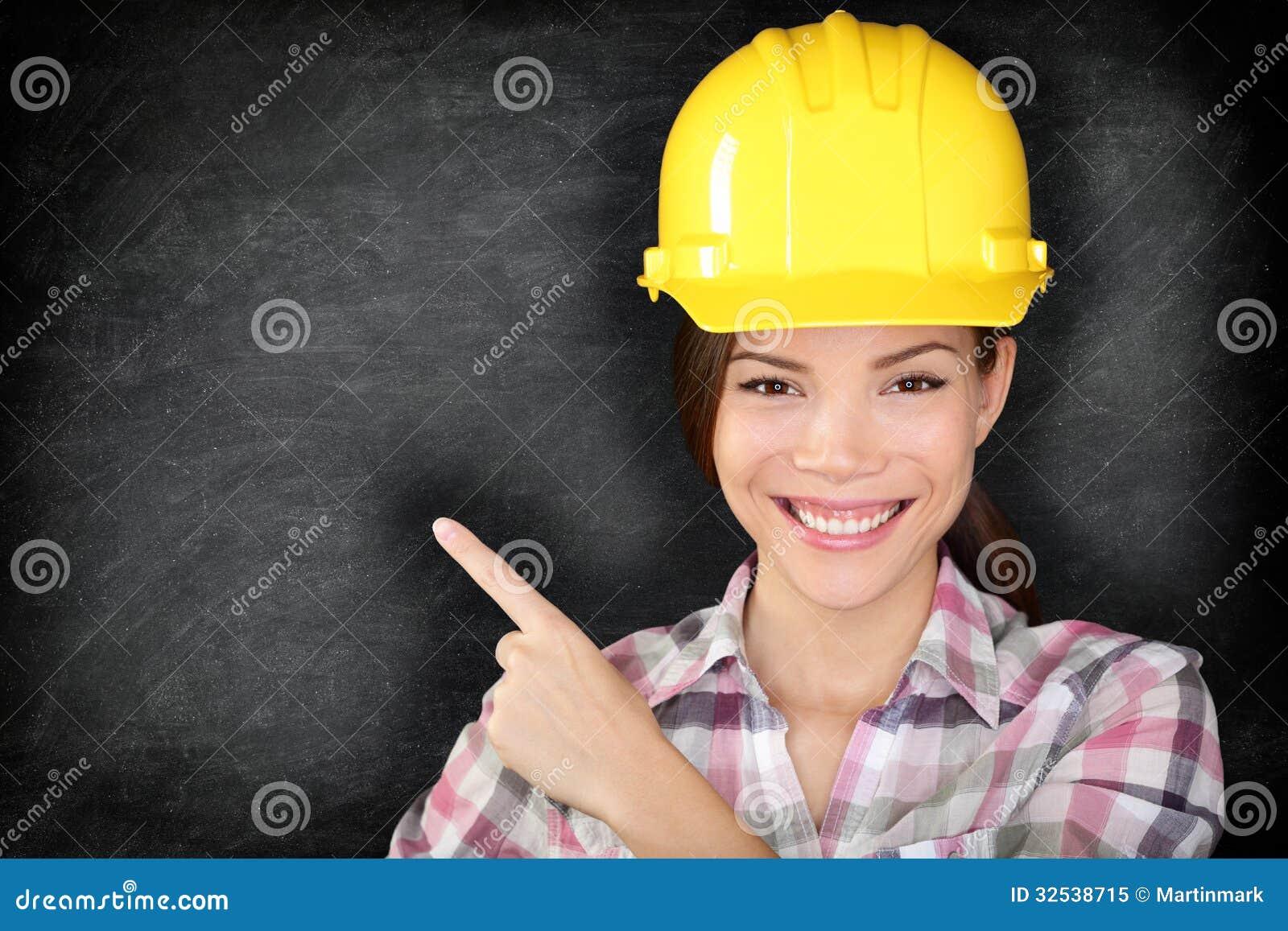女性建筑工人或工程师陈列