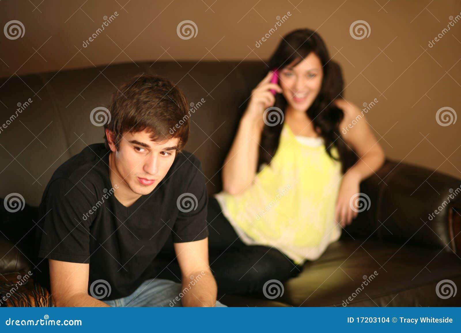 女朋友忽略了人电话年轻人
