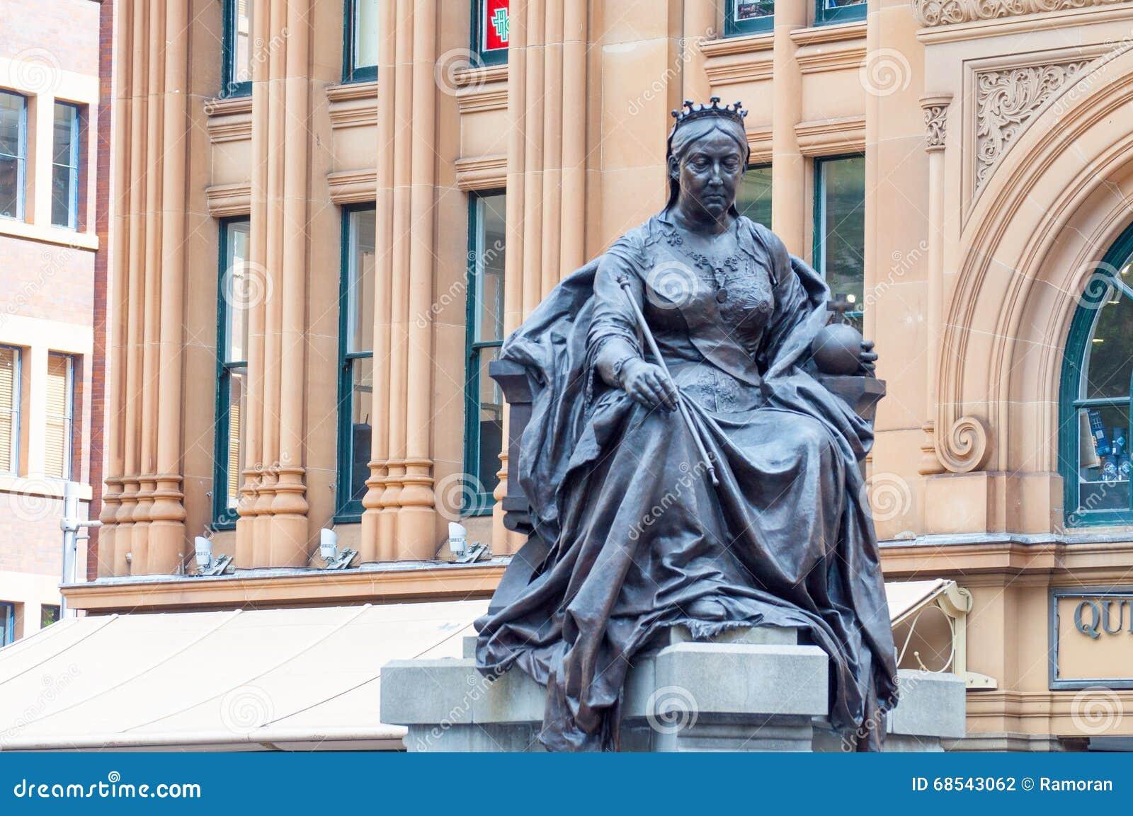女王/王后雕象维多利亚