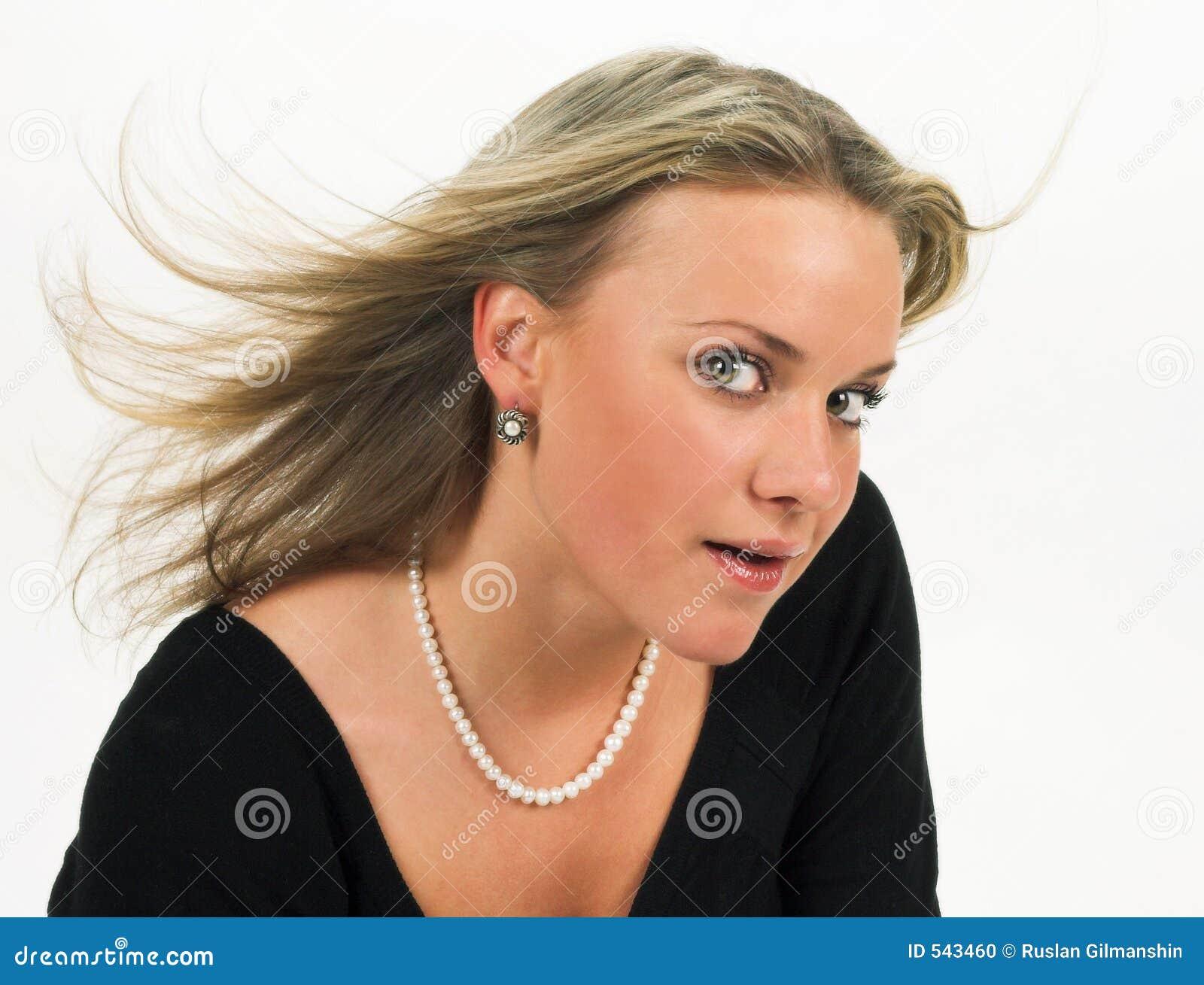 Download 妇女年轻人 库存照片. 图片 包括有 化妆用品, 唇膏, 现有量, jewelery, 表面, beautifuler - 543460