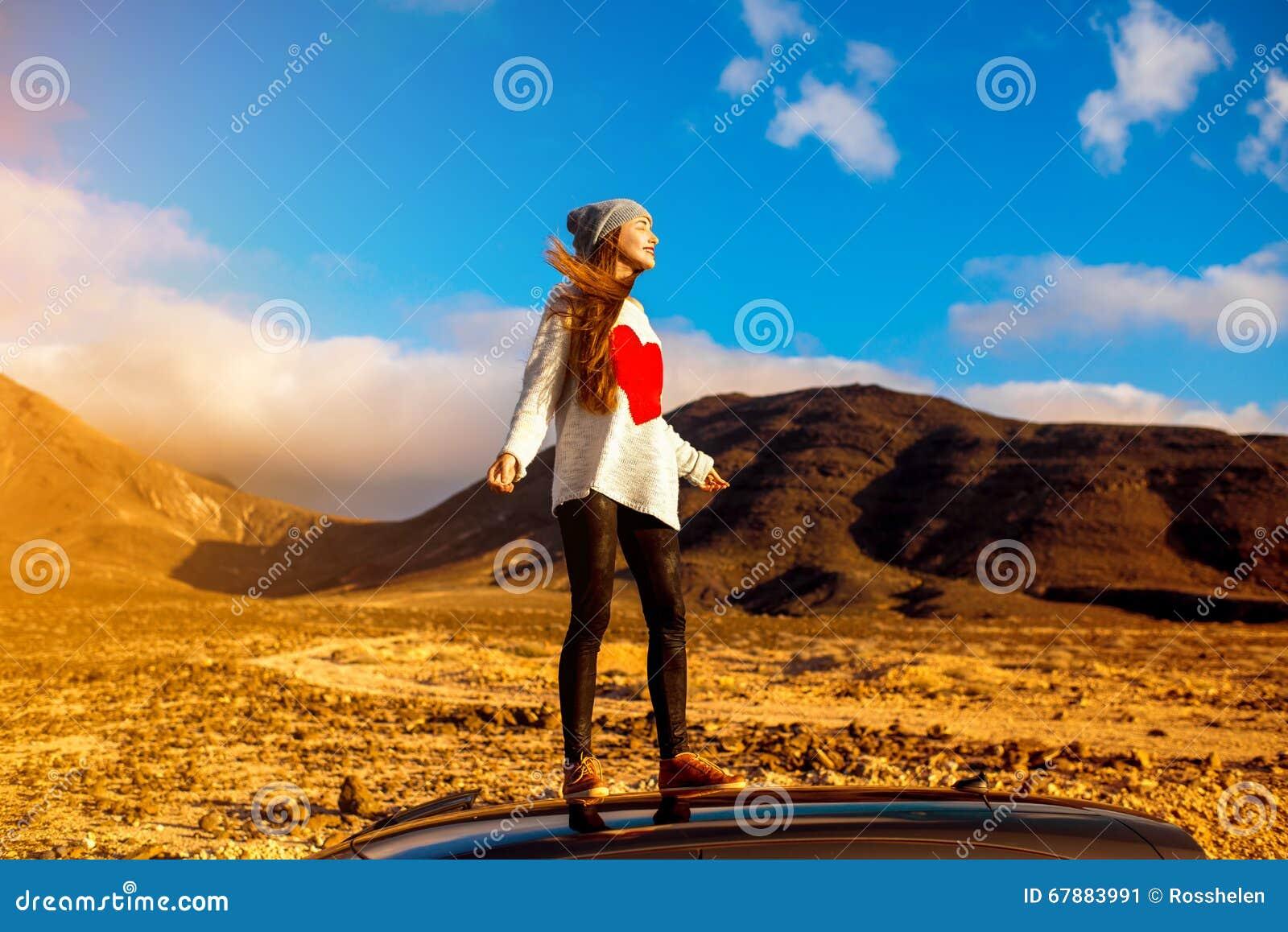 妇女旅行的费埃特文图拉岛海岛