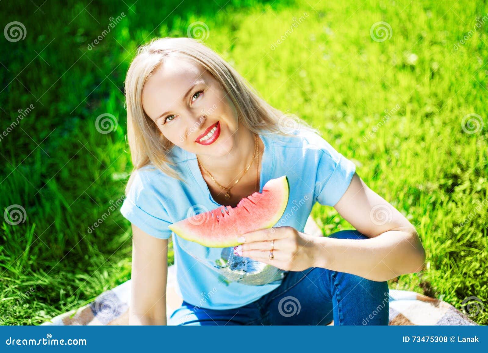 妇女用西瓜