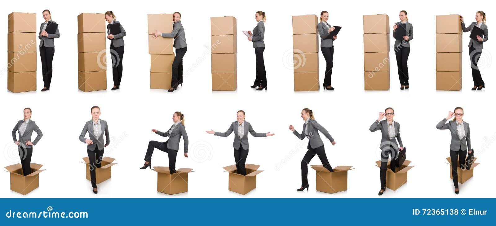 妇女的综合图象有箱子的在白色