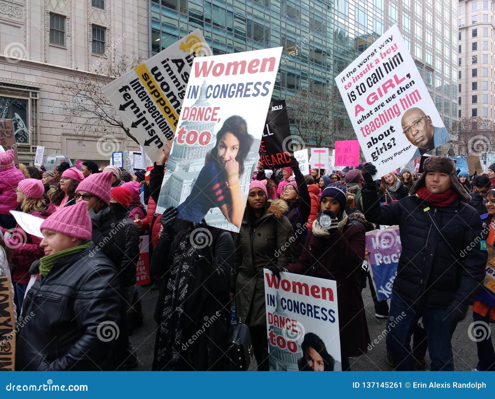 妇女美国国会3月,亚历山大Ocasio科尔特斯标志,华盛顿特区,美国