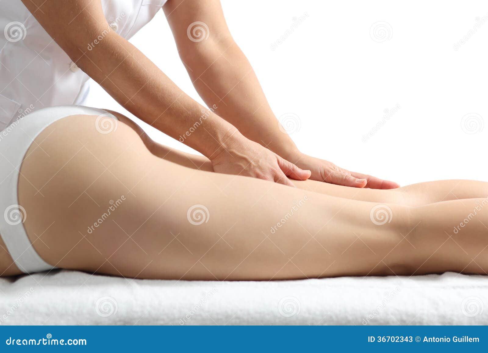 妇女腿的侧视图接受按摩疗法的