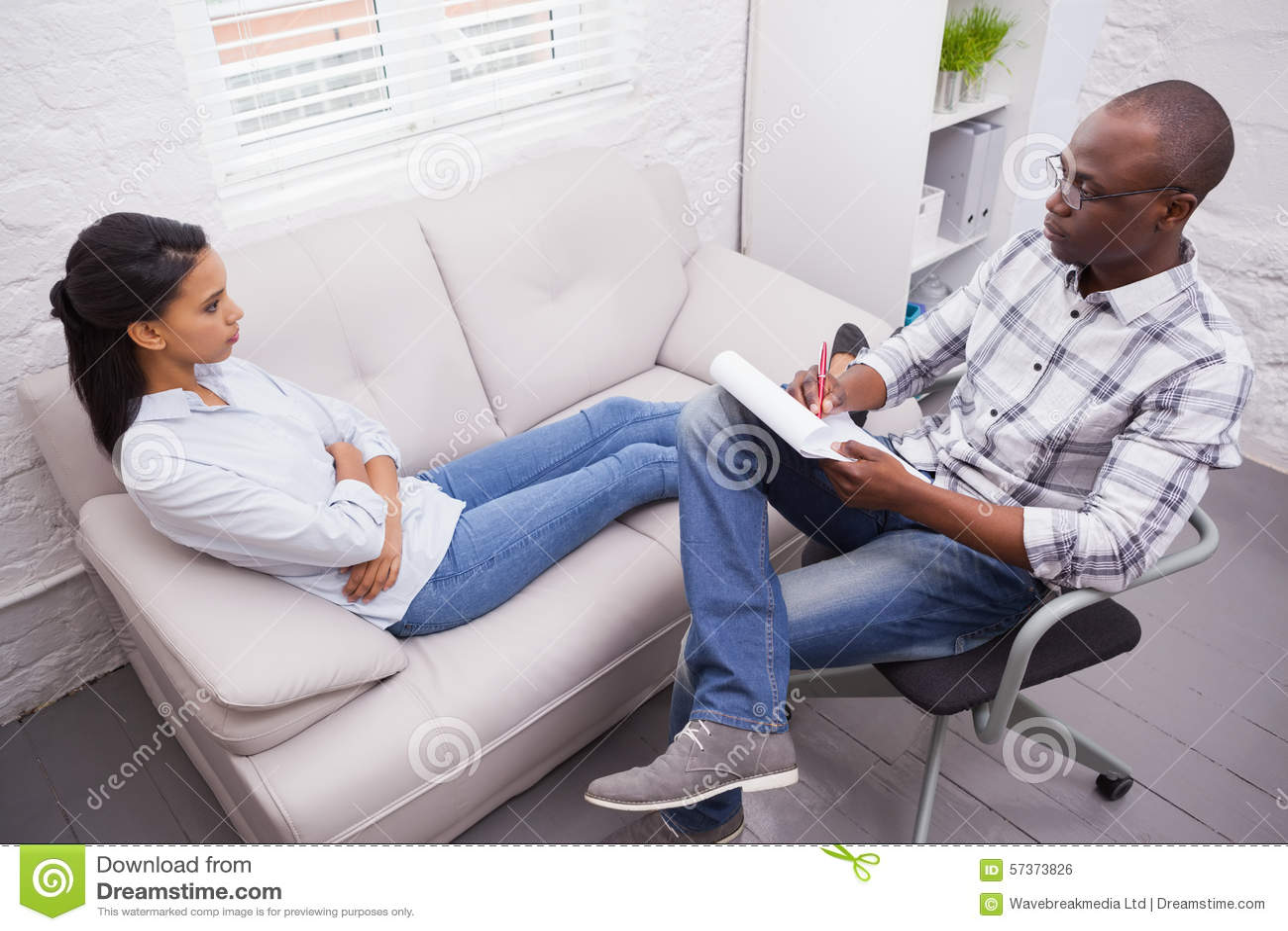 妇女谈话与她的心理学家