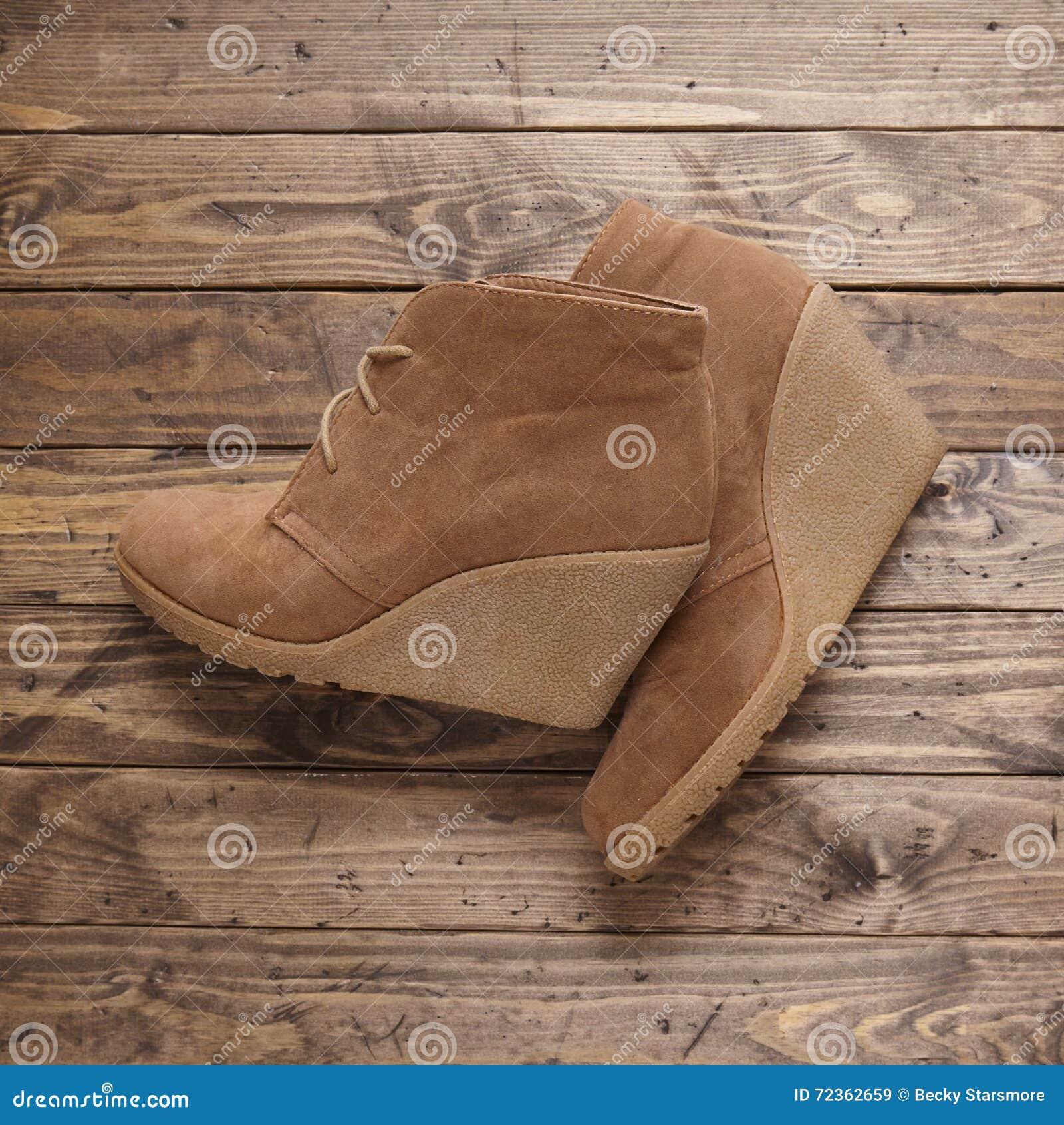 妇女高跟鞋