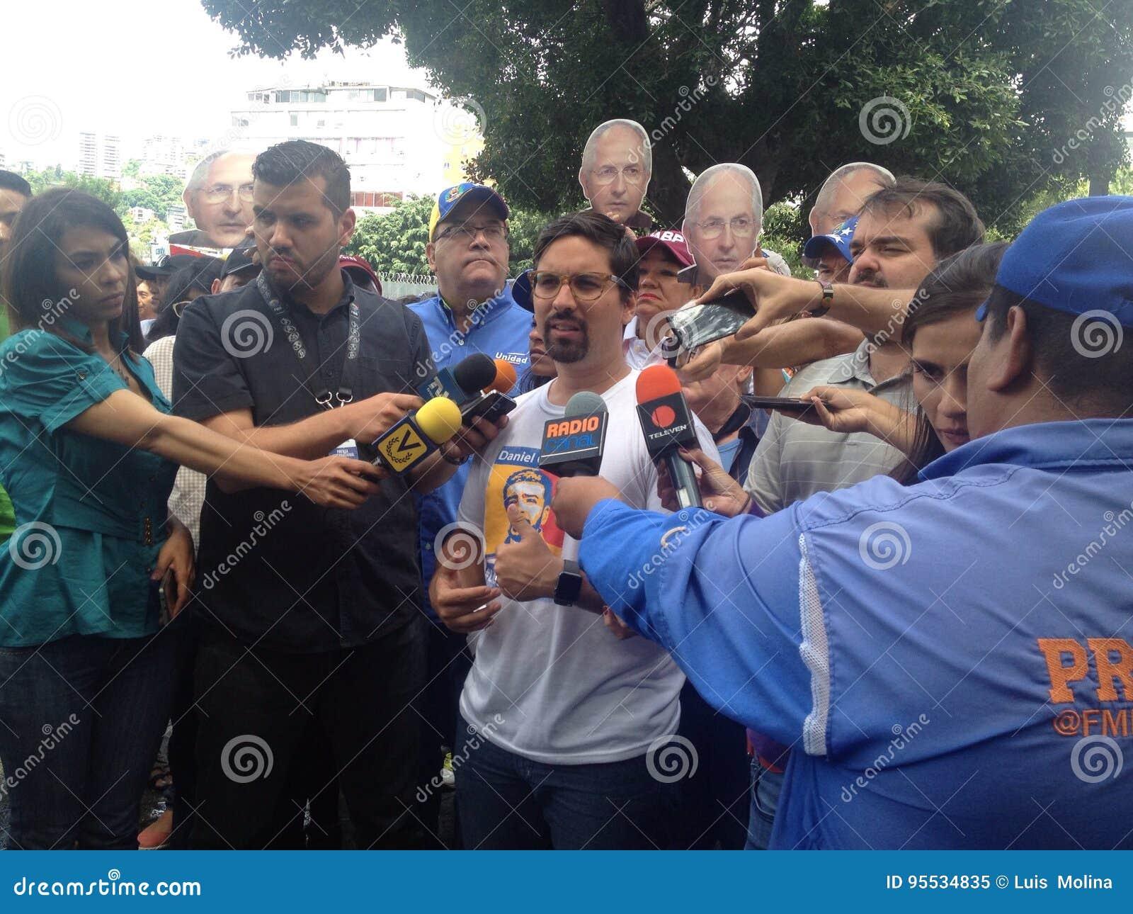 委内瑞拉议员弗雷迪格瓦拉抗议在委内瑞拉