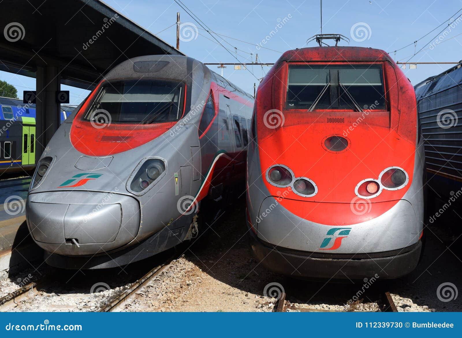 威尼斯,意大利- 2017年6月08日:在t的Trenitalia高速火车