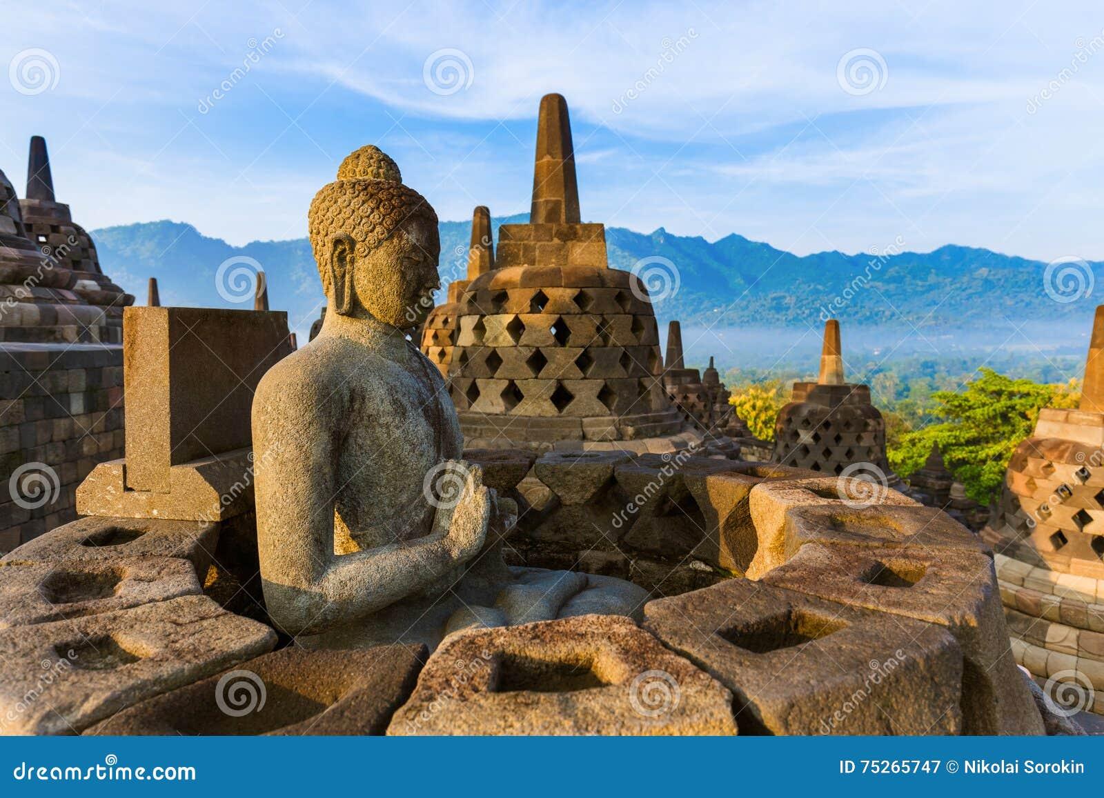 婆罗浮屠Buddist寺庙-海岛Java印度尼西亚