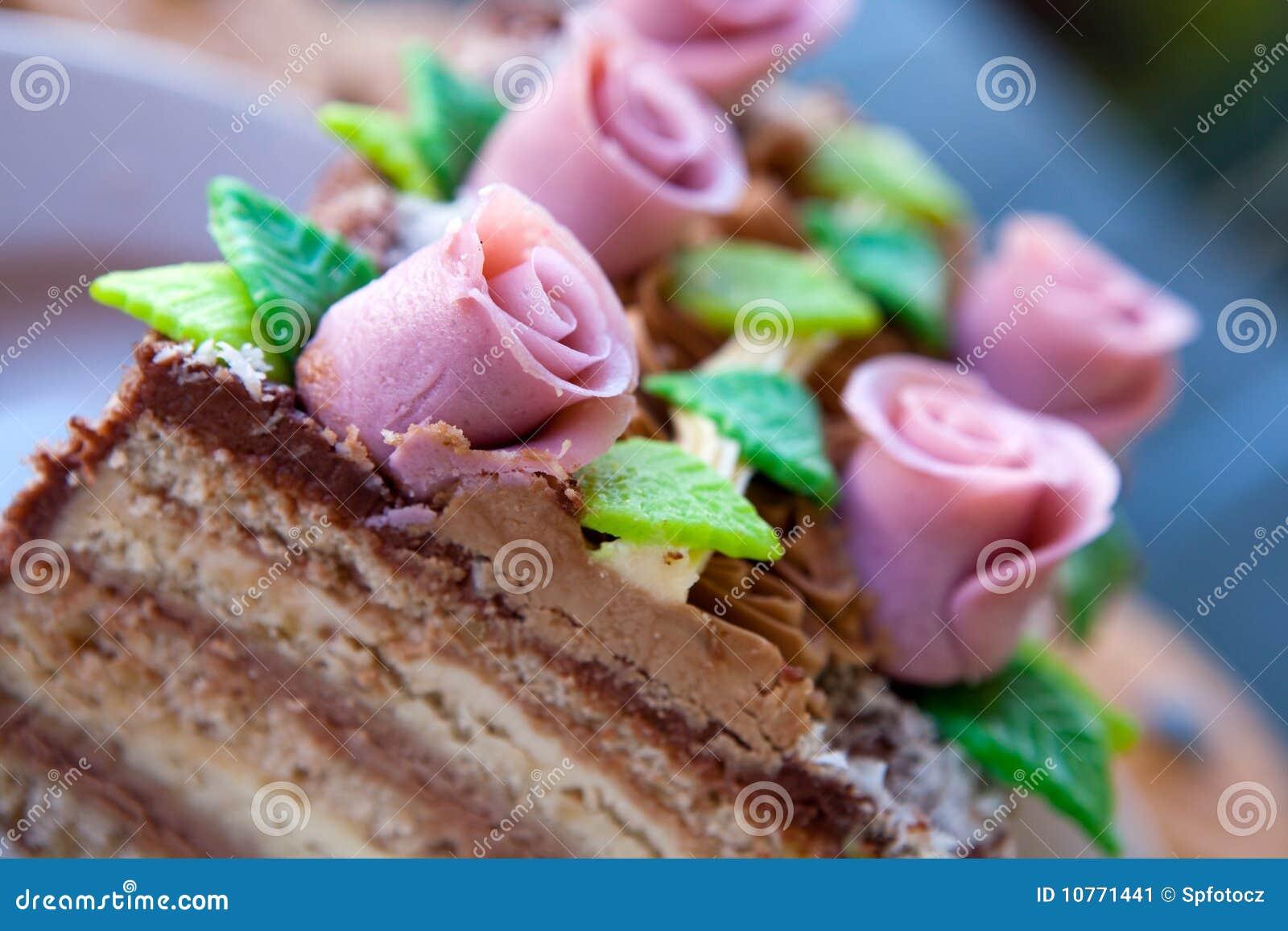 婚姻蛋糕桃红色的玫瑰