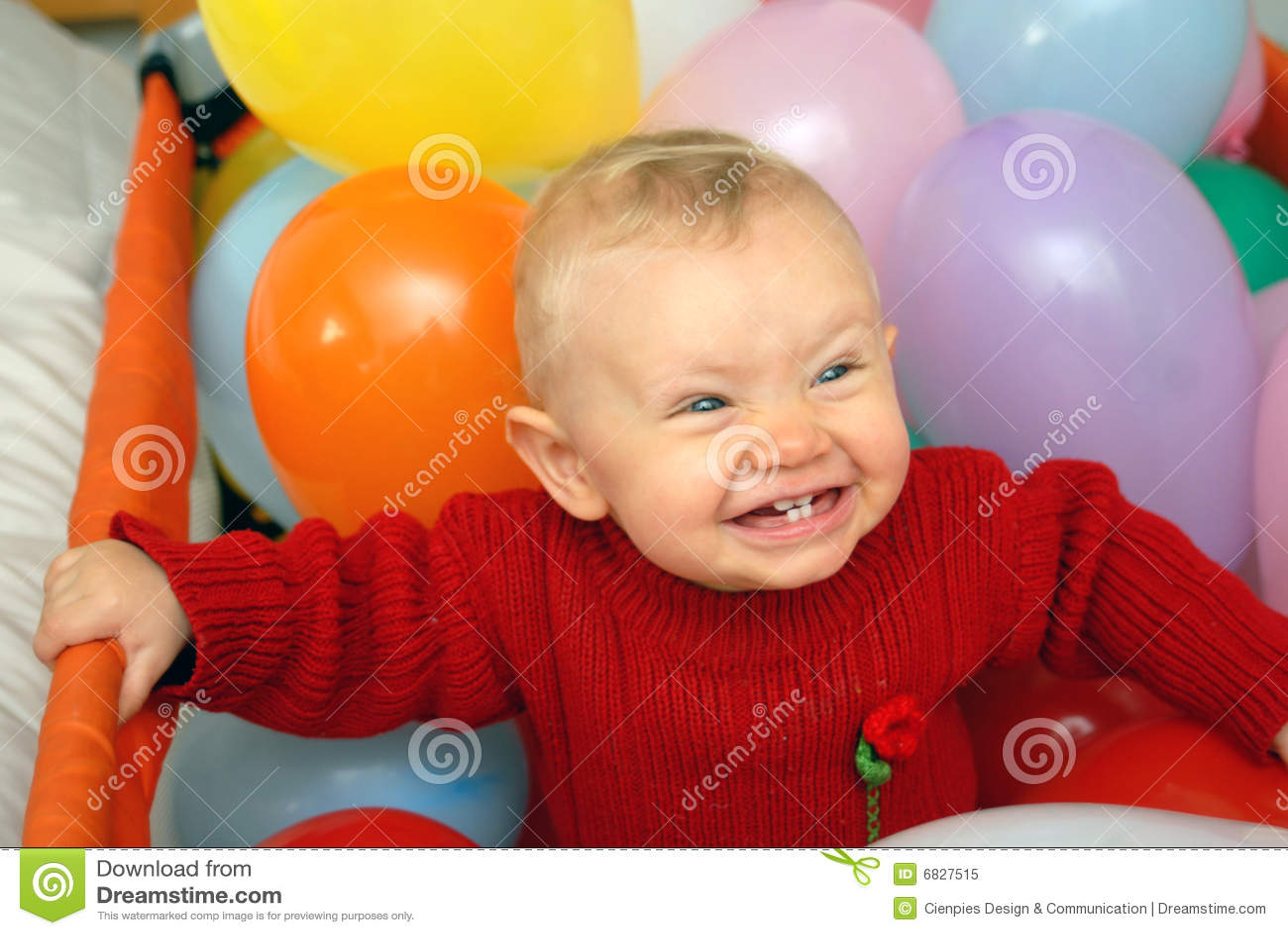 婴孩地球微笑