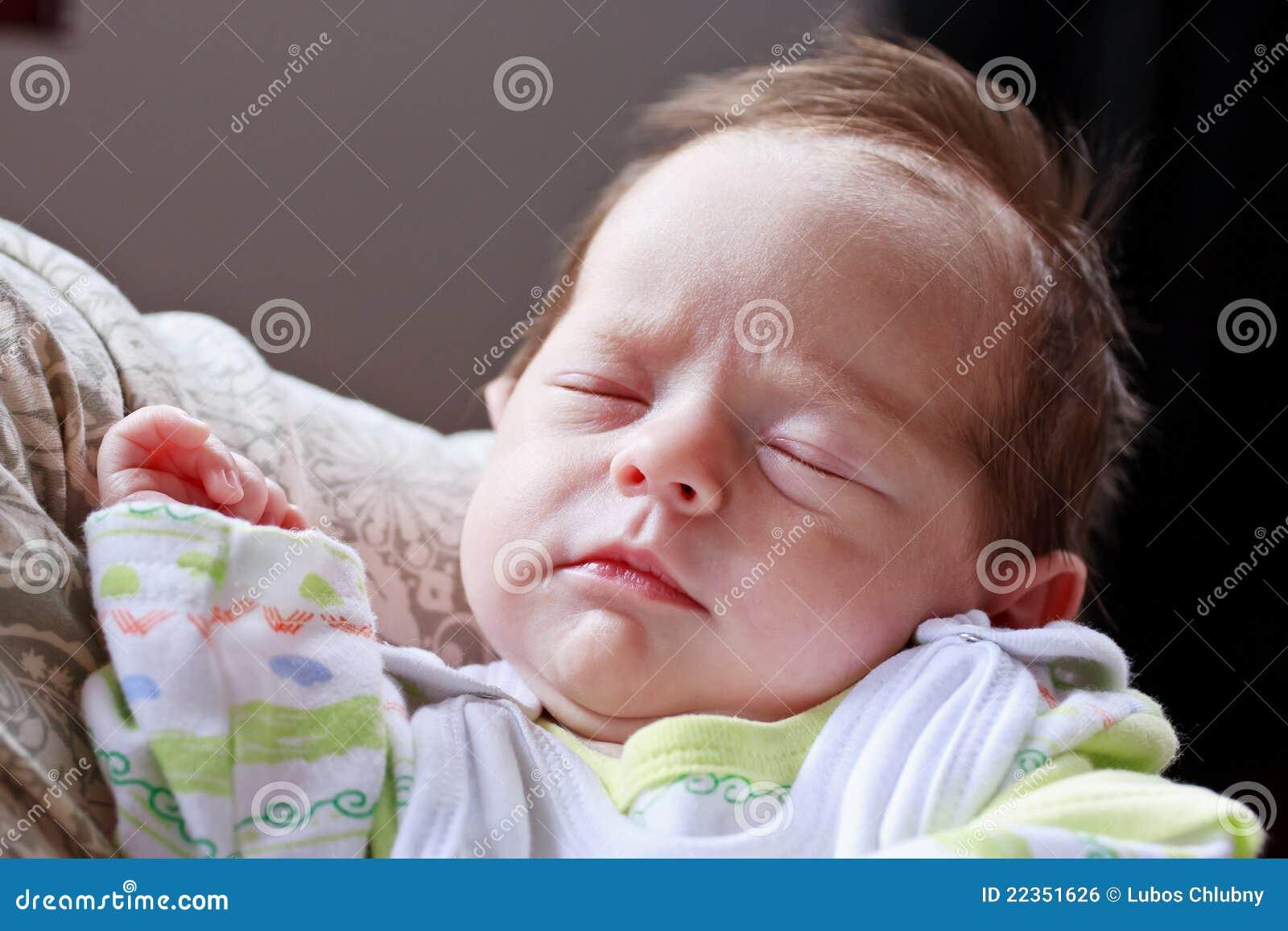 婴孩梦中情人休眠
