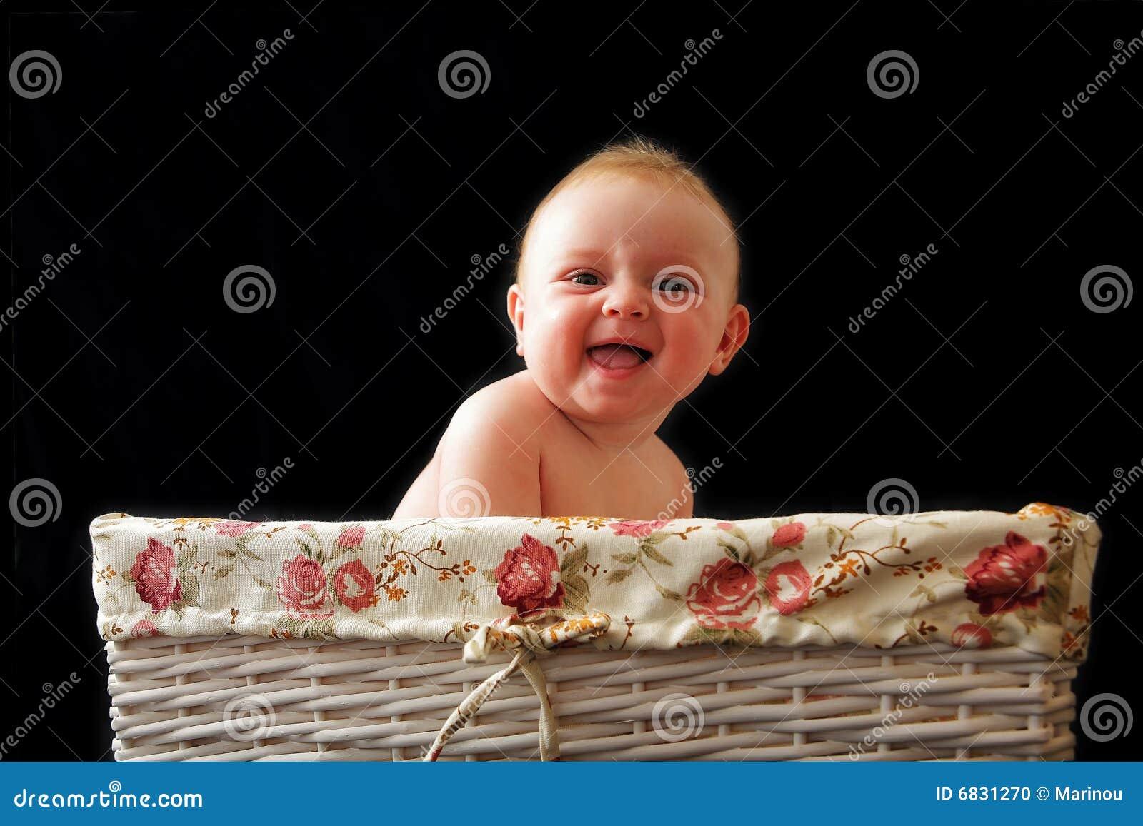 婴孩篮子笑