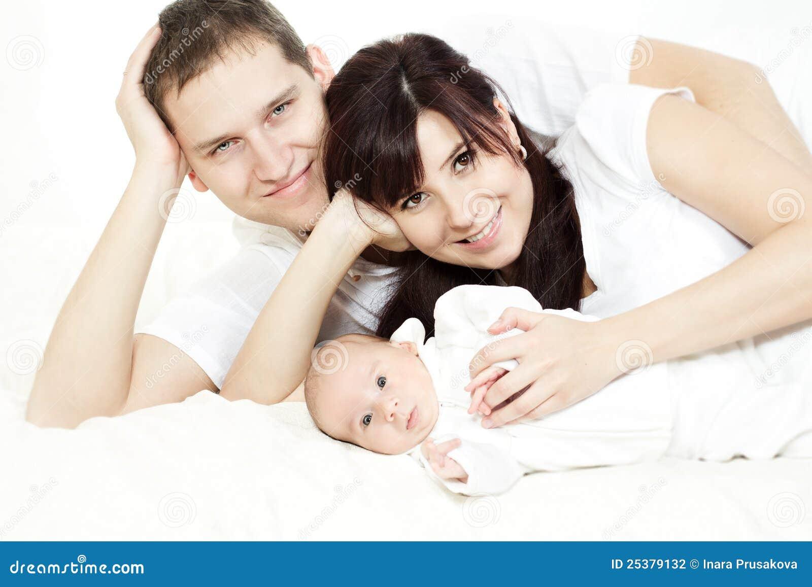 婴孩系列愉快的位于的新出生的父项