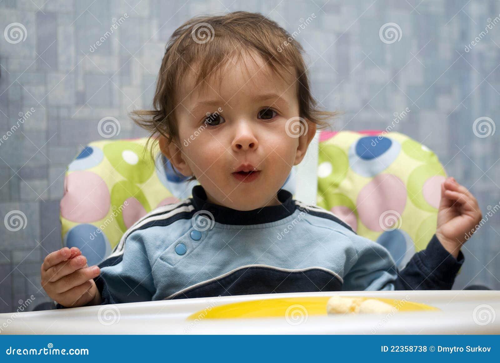 婴孩美好男孩笑