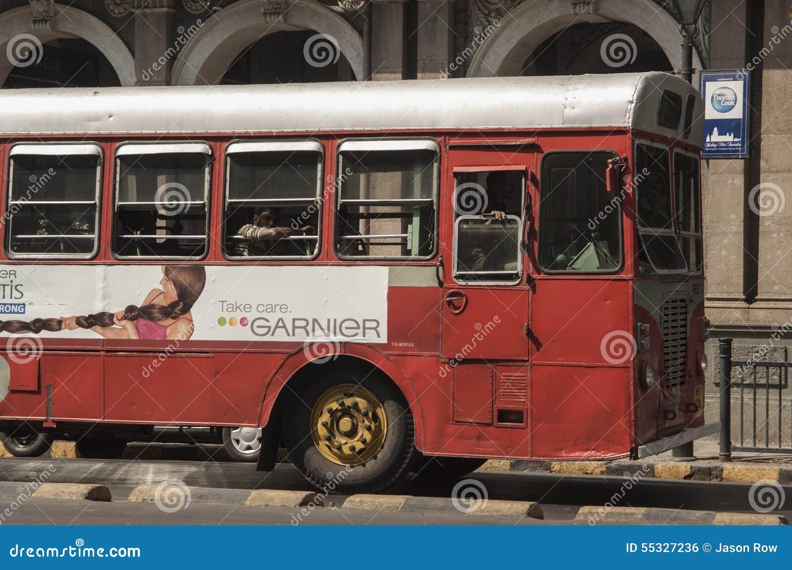 孟买公开公共汽车在维多利亚终点附近