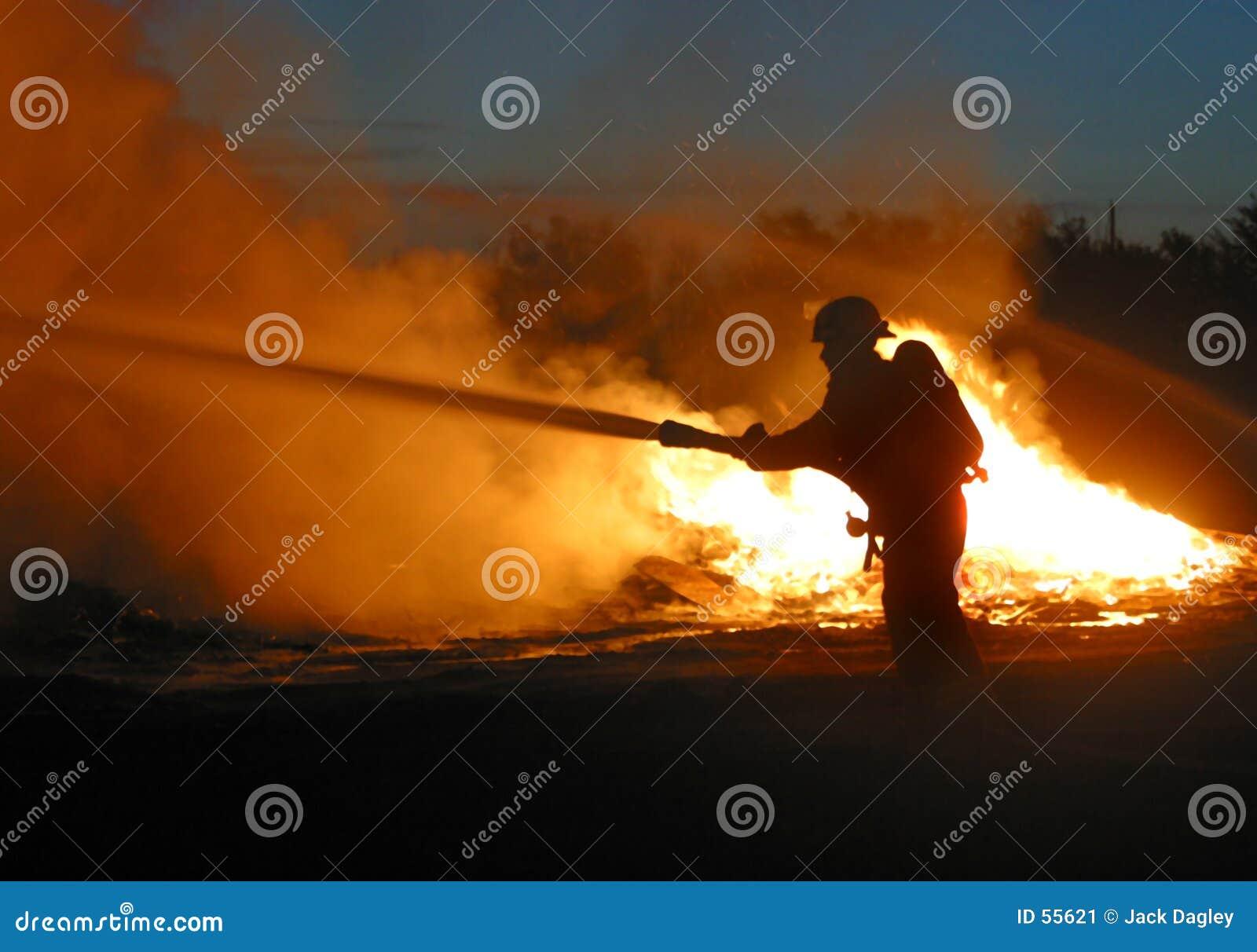 孤立的消防队员
