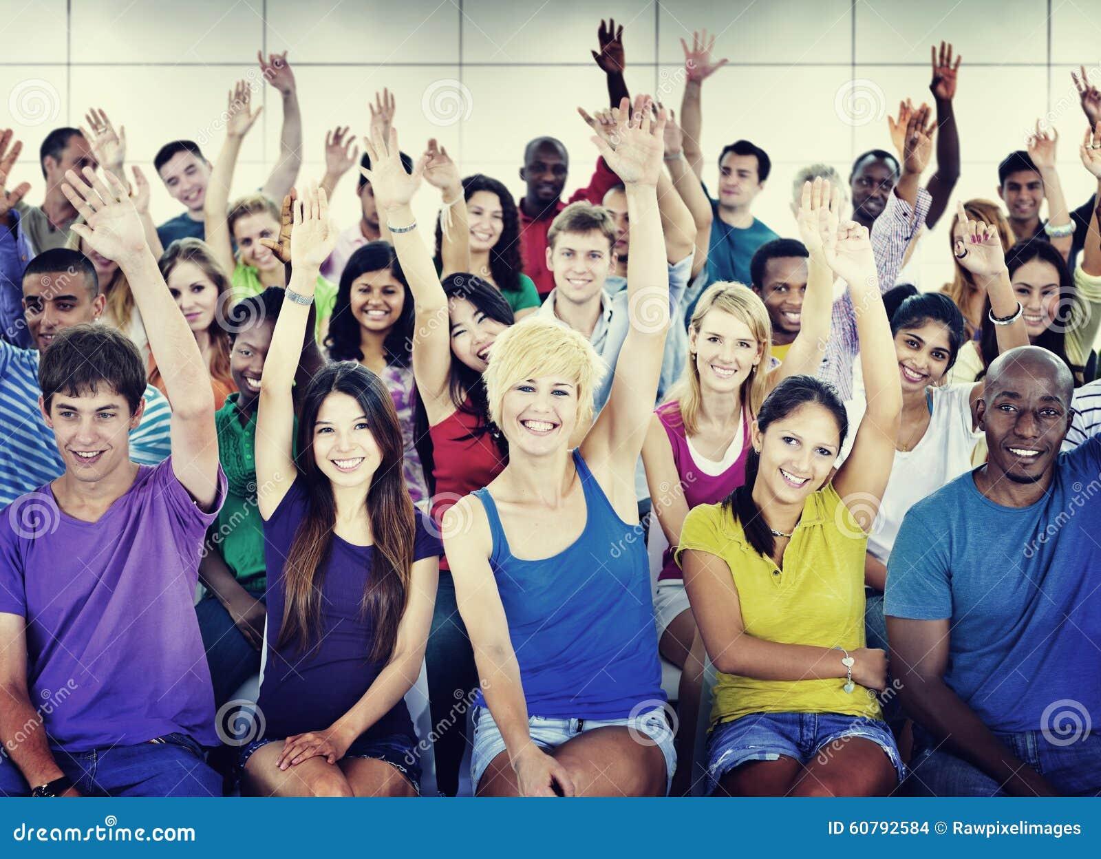学会的人群庆祝偶然不同的种族概念