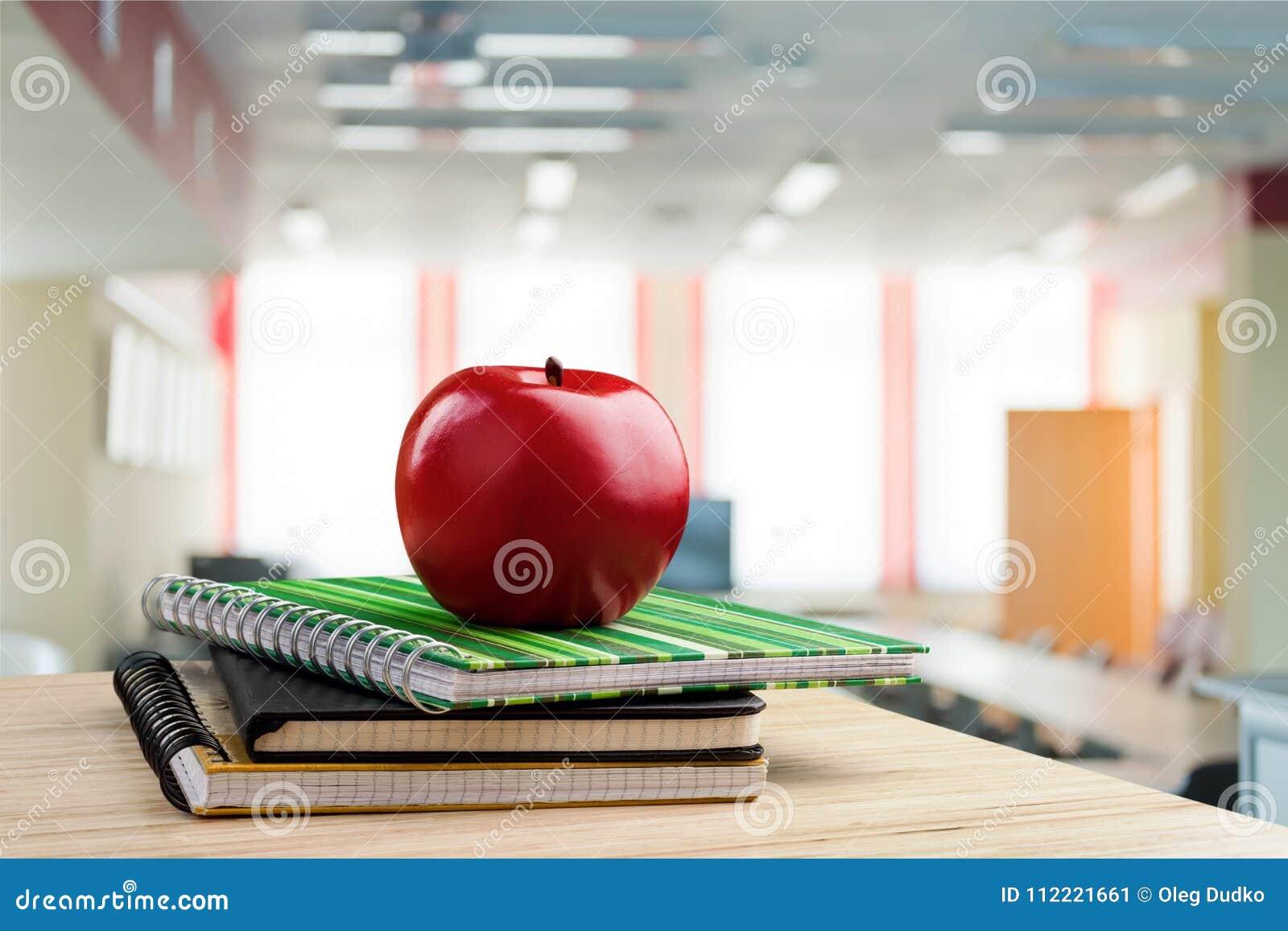 学校教师` s书桌