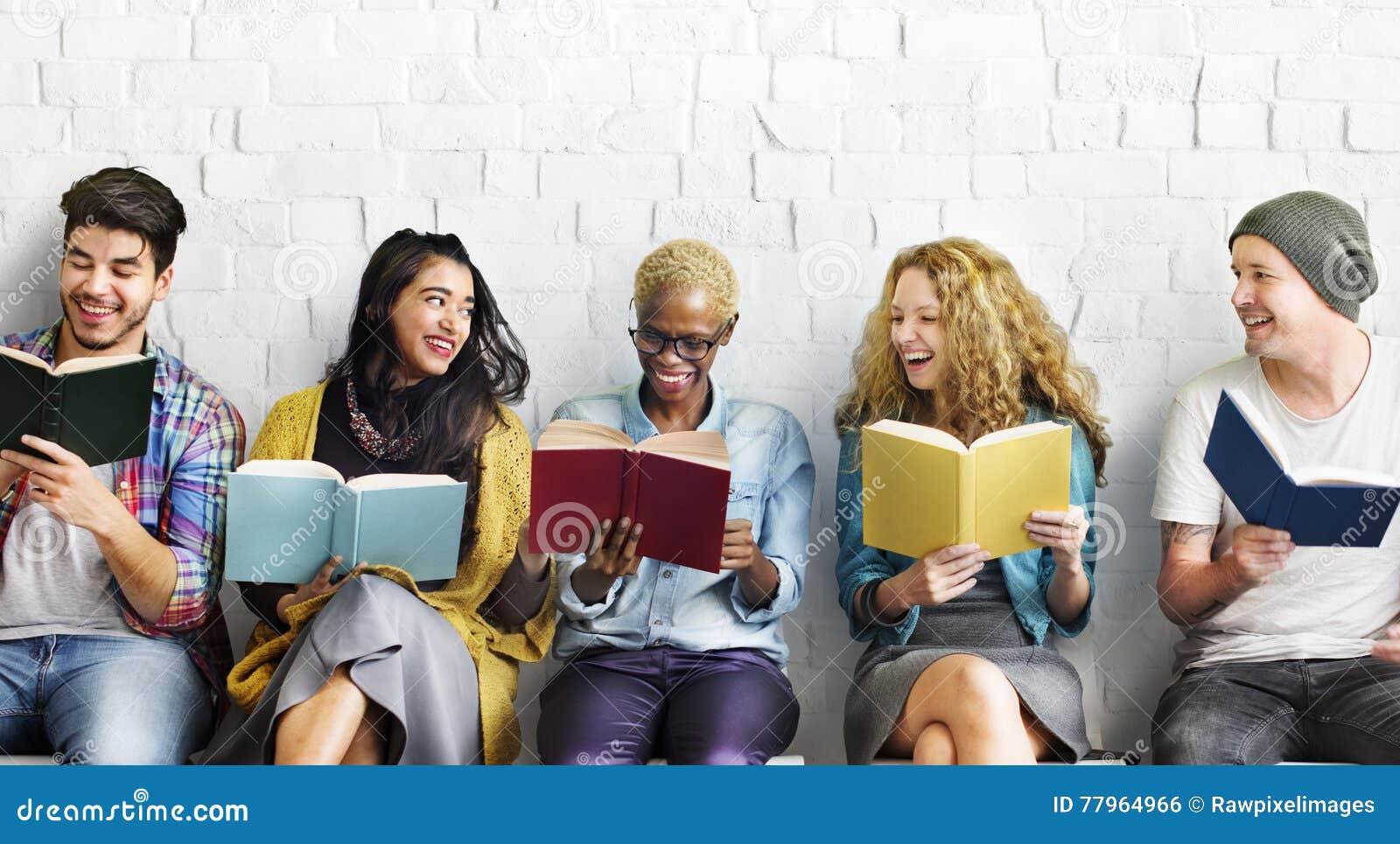 学生青年成人读书教育知识概念