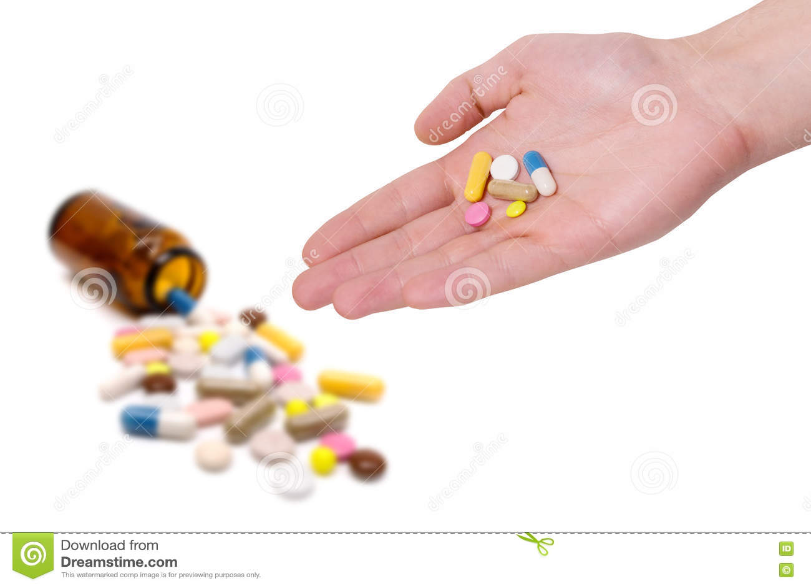 医学药片和胶囊在白色背景