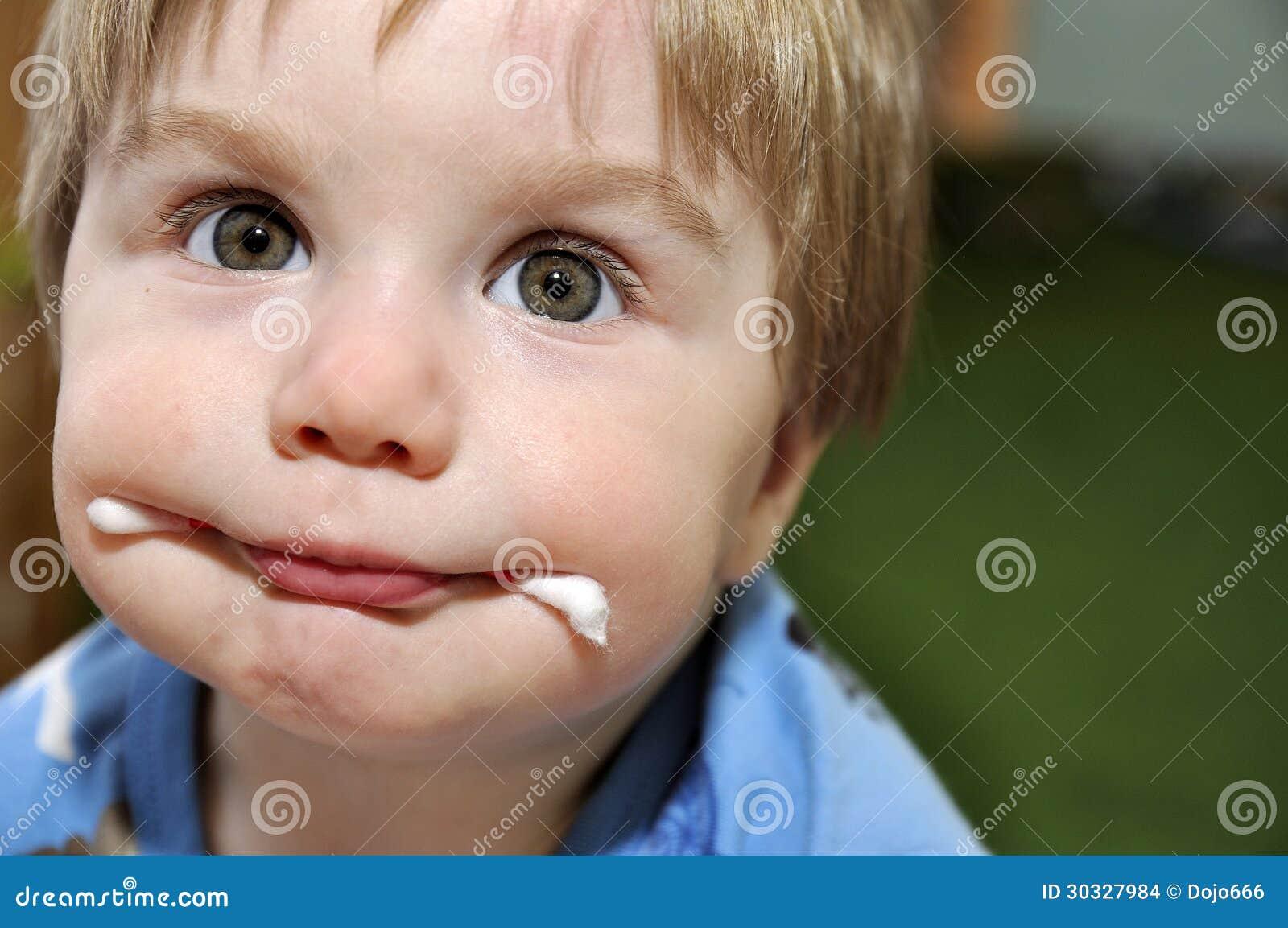 婴孩用在嘴的wadded棍子