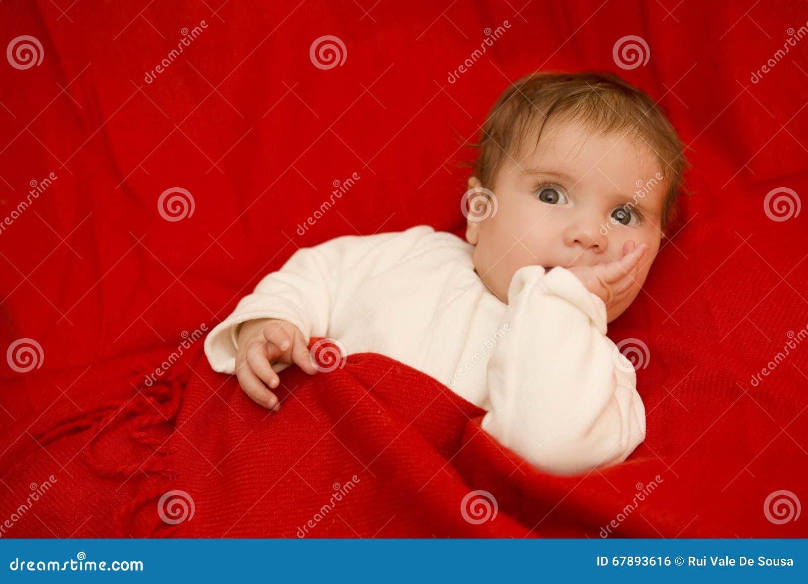 年轻婴孩画象