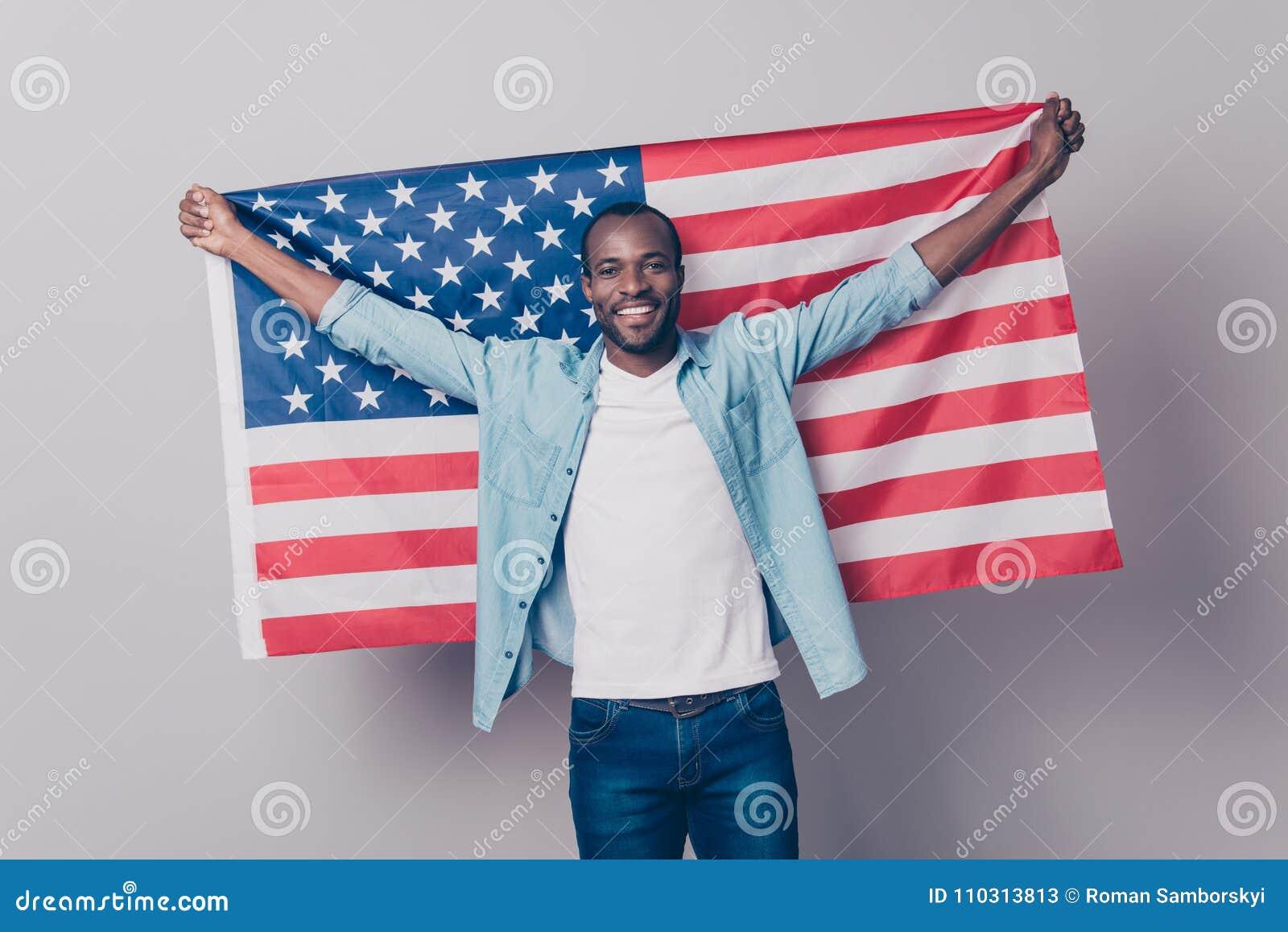 它` s我的祖国!快乐的高兴的激动的confid画象