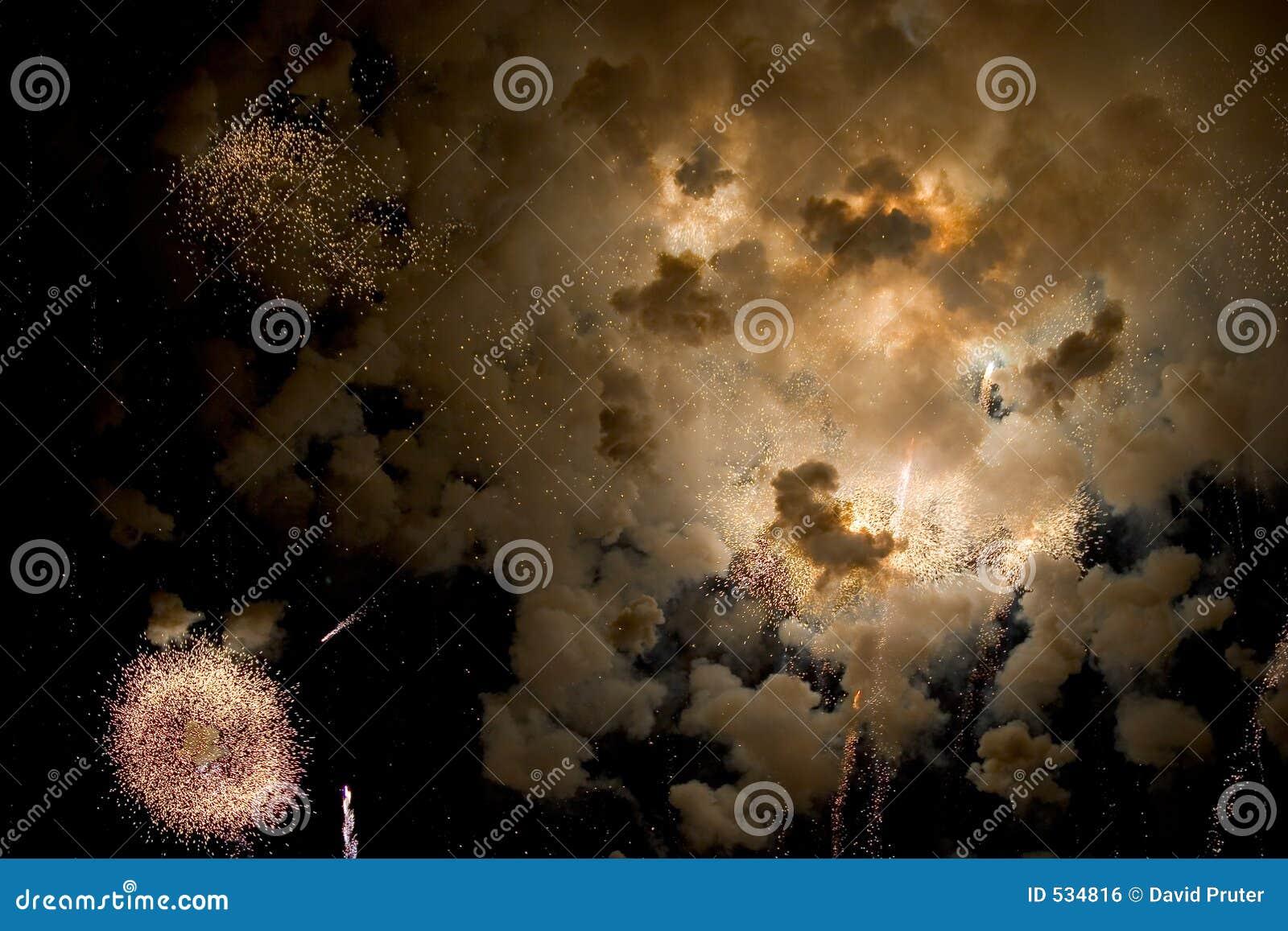 Download 宇宙的景气 库存照片. 图片 包括有 火箭, 宇宙, 庆祝, 愉快, 火花, 点燃, 强光, 颜色, 声音, 烟火制造术 - 534816