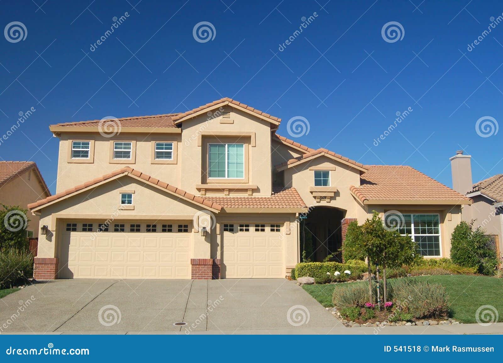 Download 安置郊区 库存照片. 图片 包括有 郊区, 邻里, 地产商, 选件类, 庄园, 房子, 住宅, 中间, 不动产 - 541518