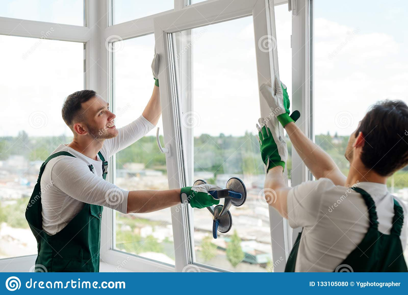 安装窗口的工作者