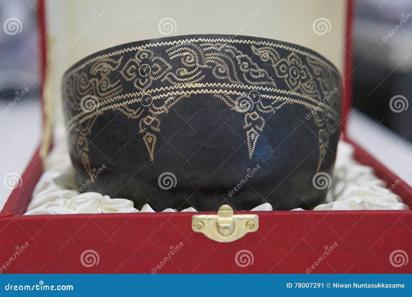 室内装璜的泰国样式碗