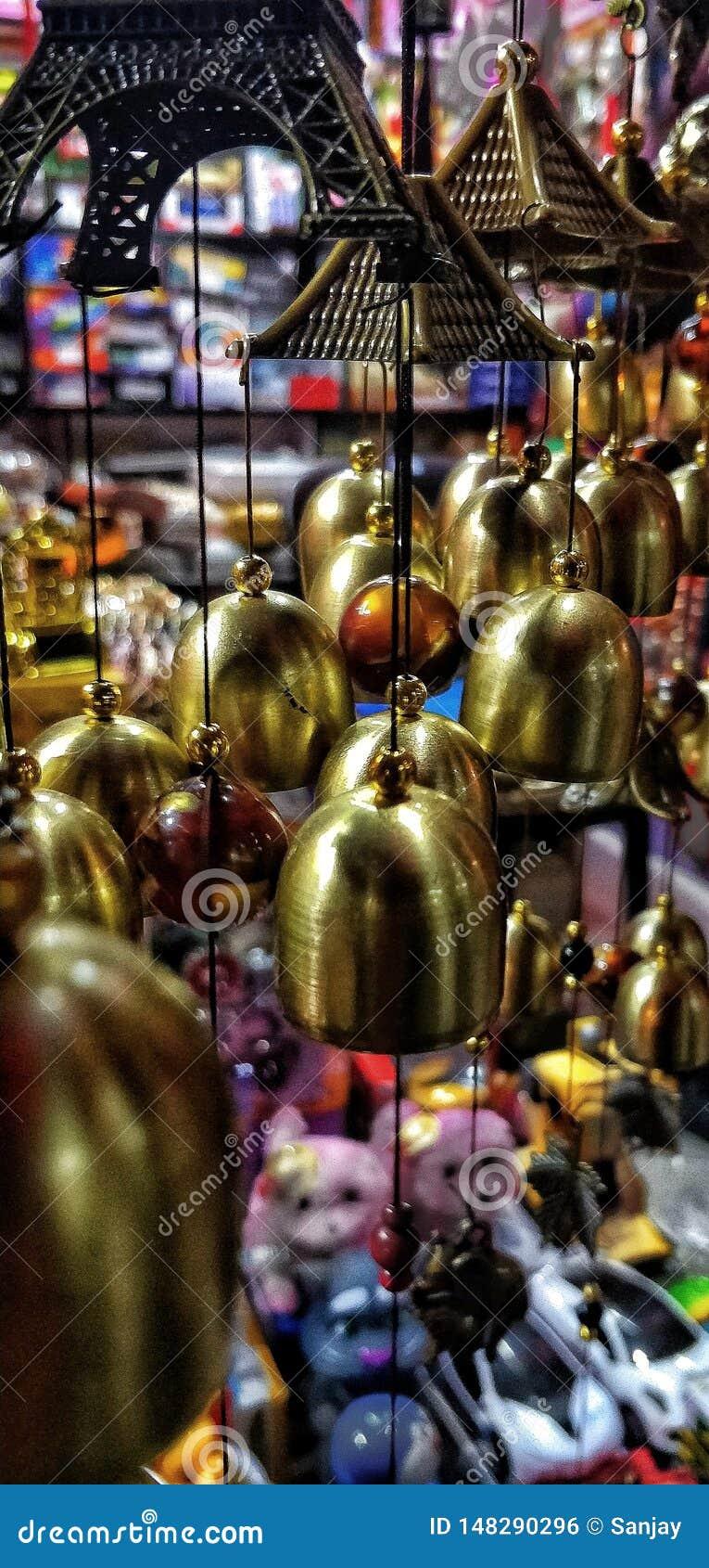 室内装饰响铃在市场上