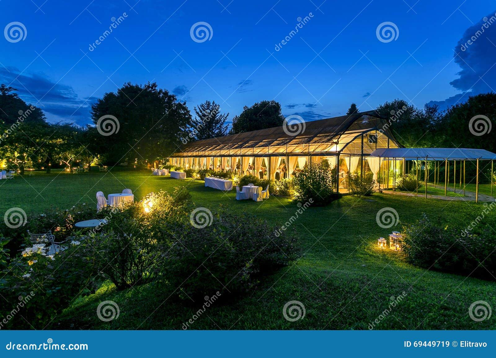 室外结婚宴会夜