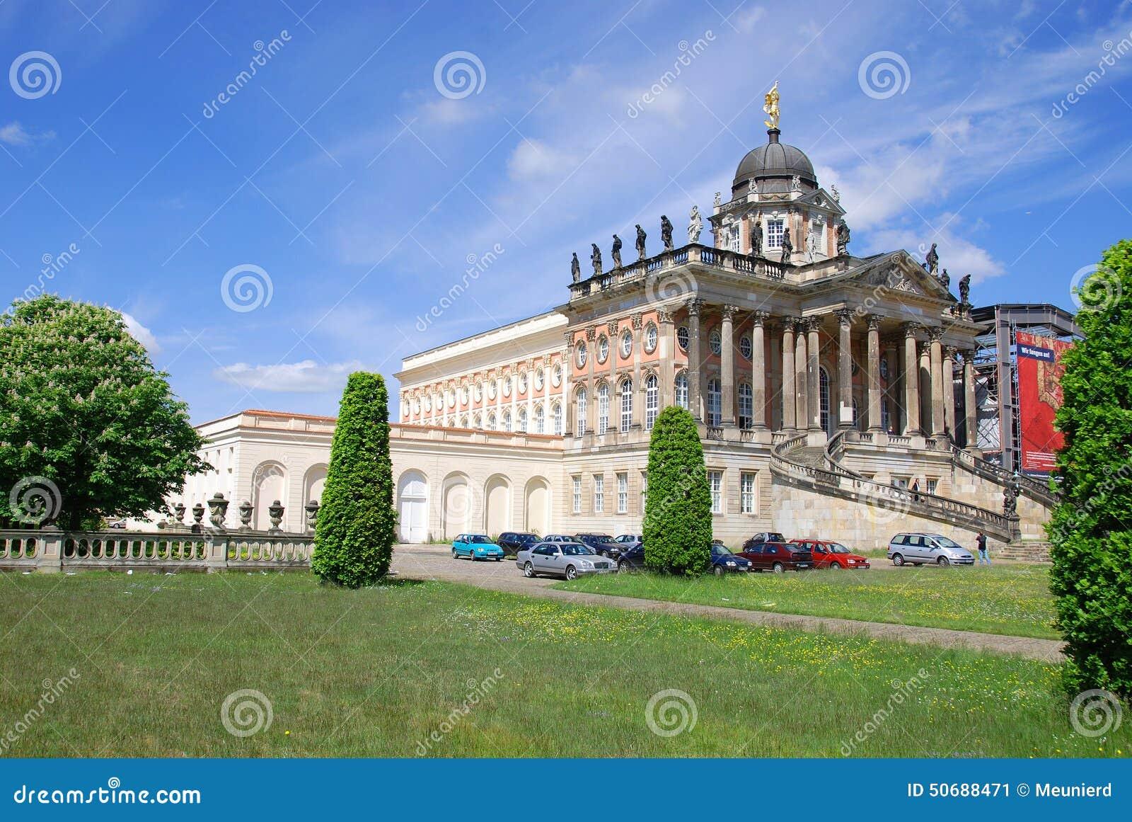 Download 宫殿在Sanssouci公园 编辑类照片. 图片 包括有 自治权, bulblet, 遗产, 蓝色, 公园 - 50688471