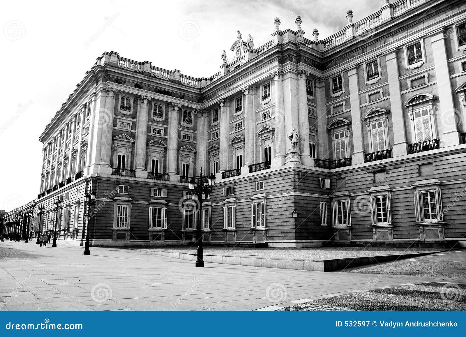 Download 宫殿 库存图片. 图片 包括有 样式, 马德里, 国王, 视窗, 投反对票, 天空, 灯笼, 墙壁, 宫殿, 人们 - 532597