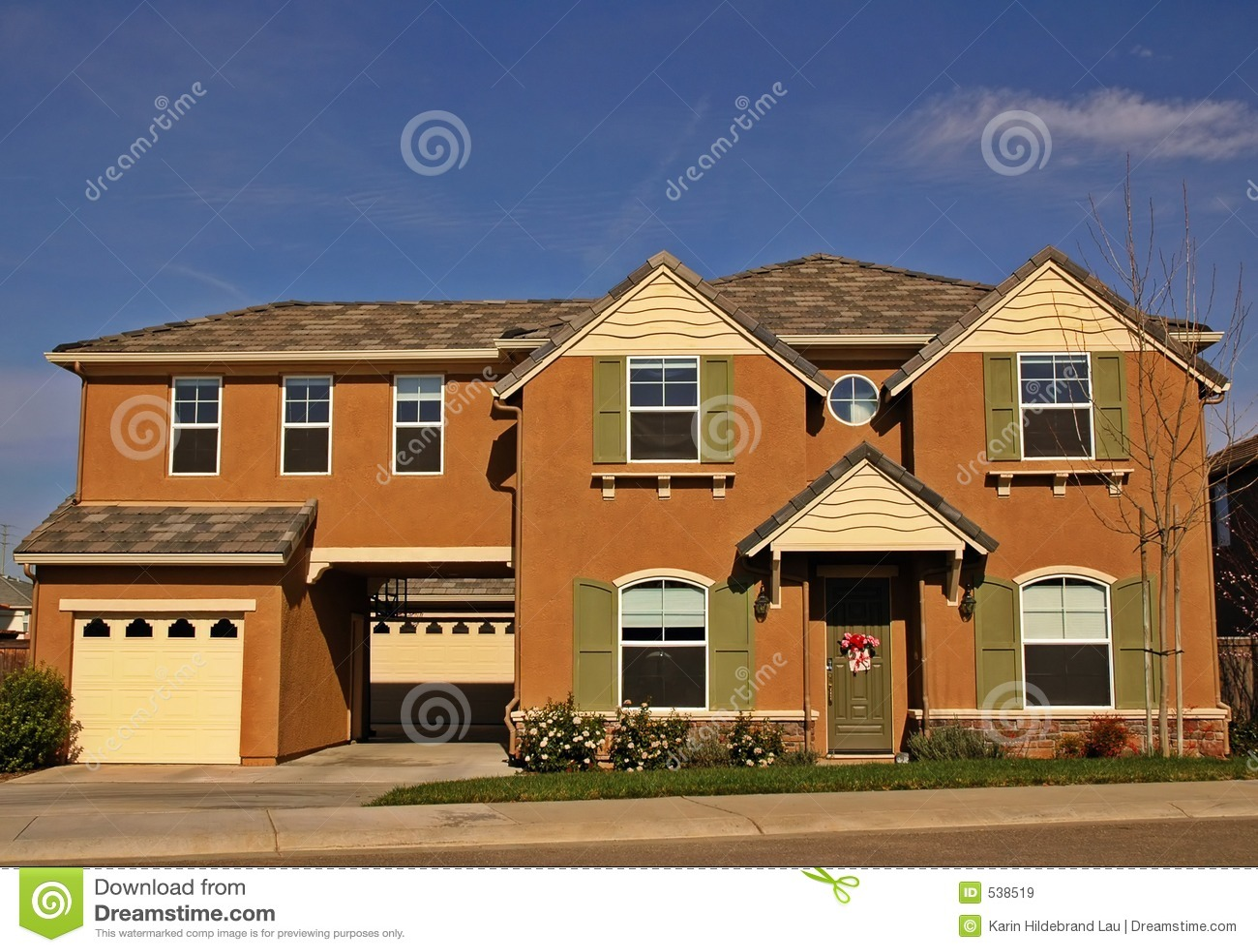 Download 家庭大 库存图片. 图片 包括有 邻里, 庄园, 停车库, bren, 重婚, 蓝色, 快门, 绿色, 灰泥 - 538519