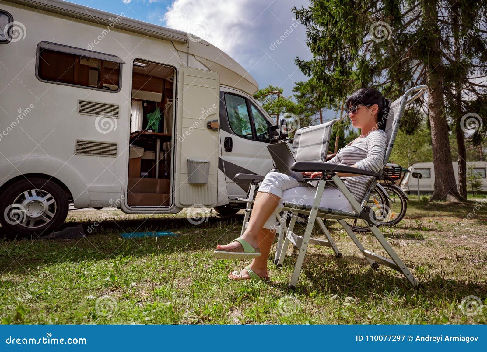 家庭度假旅行,在motorhome RV的假日旅行