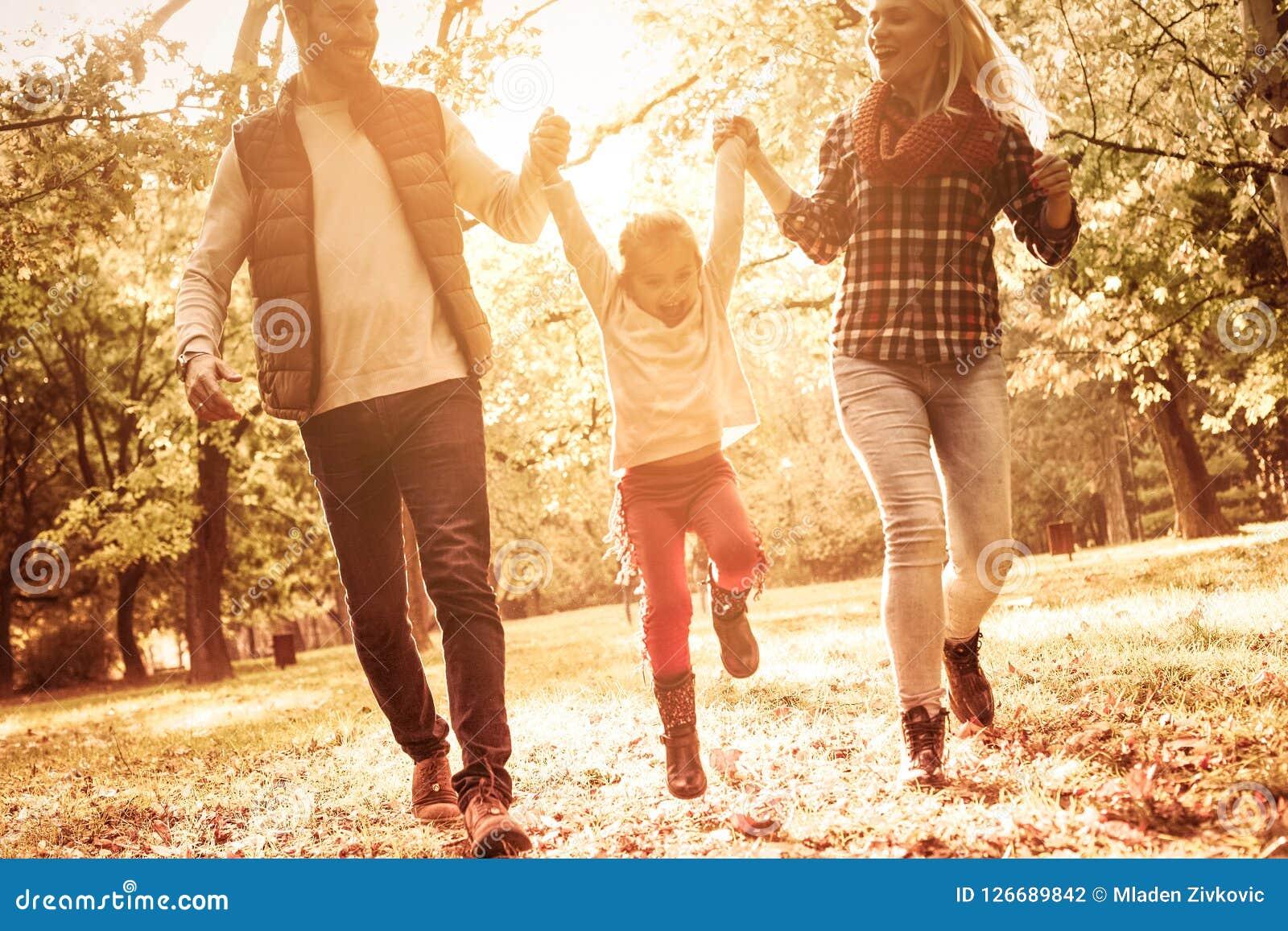 家庭是爱创造的一个小的世界