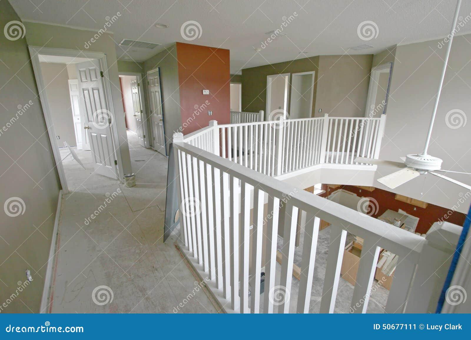 Download 家改造 库存图片. 图片 包括有 视窗, 最高限额, 安装, 空间, 大厅, 布琼布拉, 材料, 建筑, 室内 - 50677111