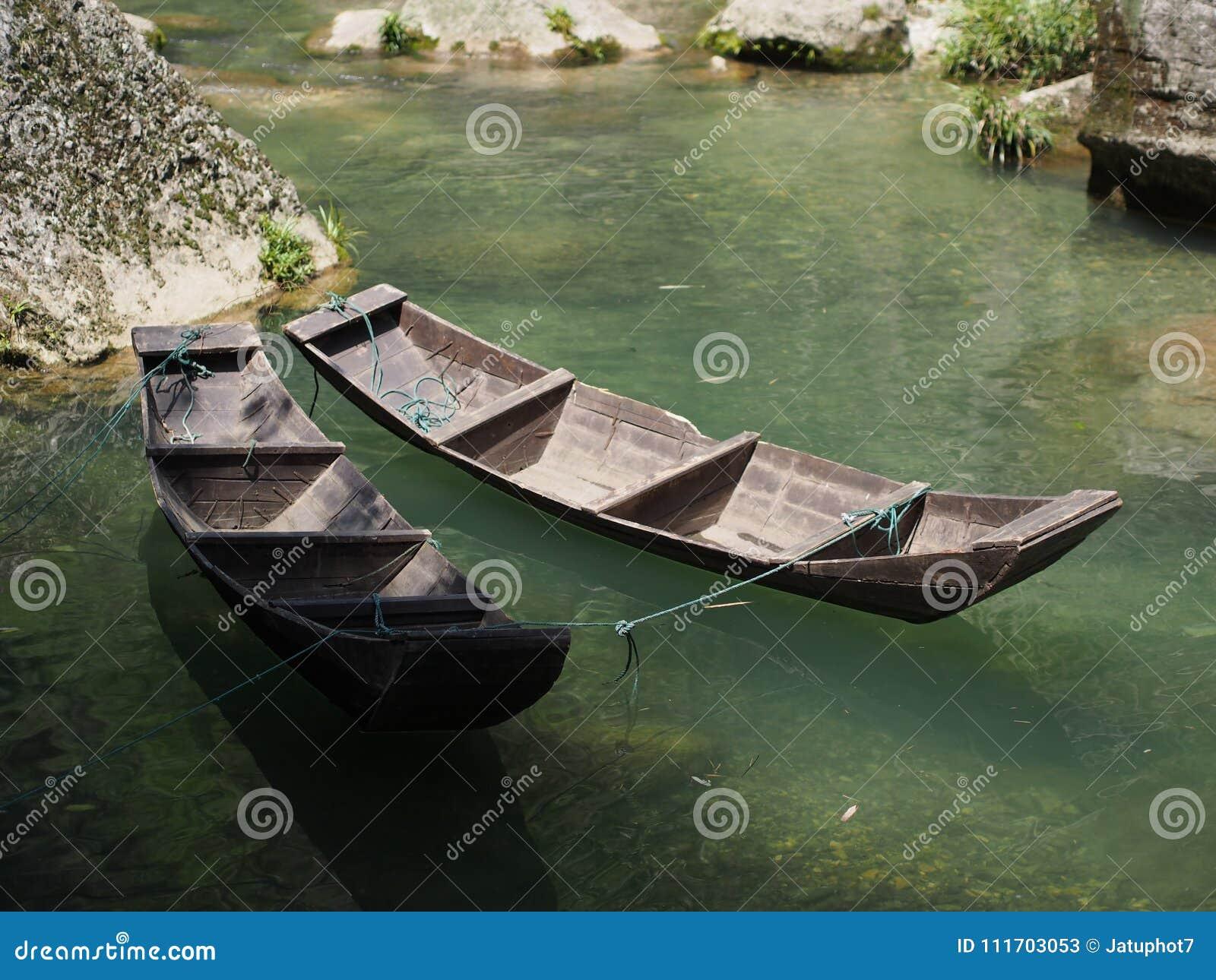 对三峡大坝的河巡航和参观小本机v