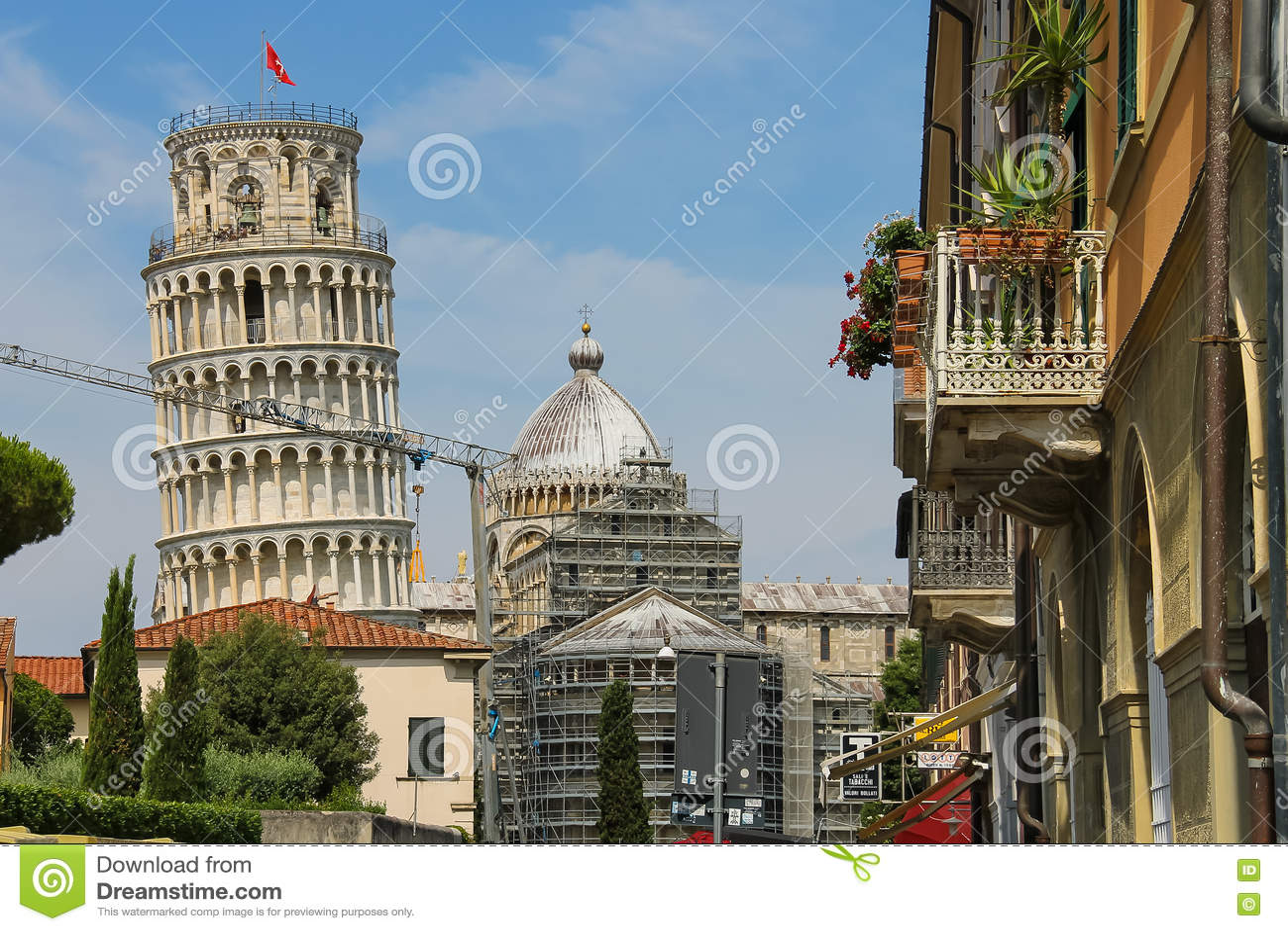 对大教堂(比萨斜塔)的钟楼的看法 Ita