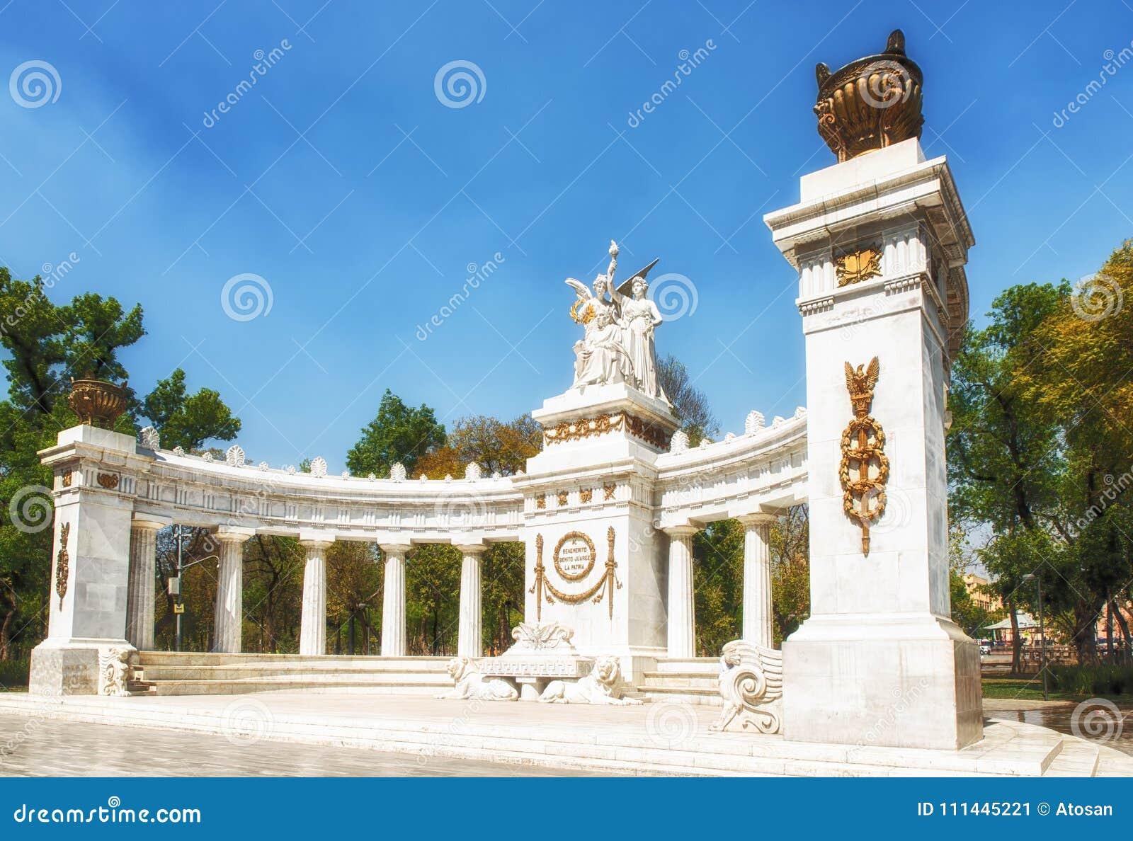 对贝尼托Juà ¡ rez的纪念碑在墨西哥城