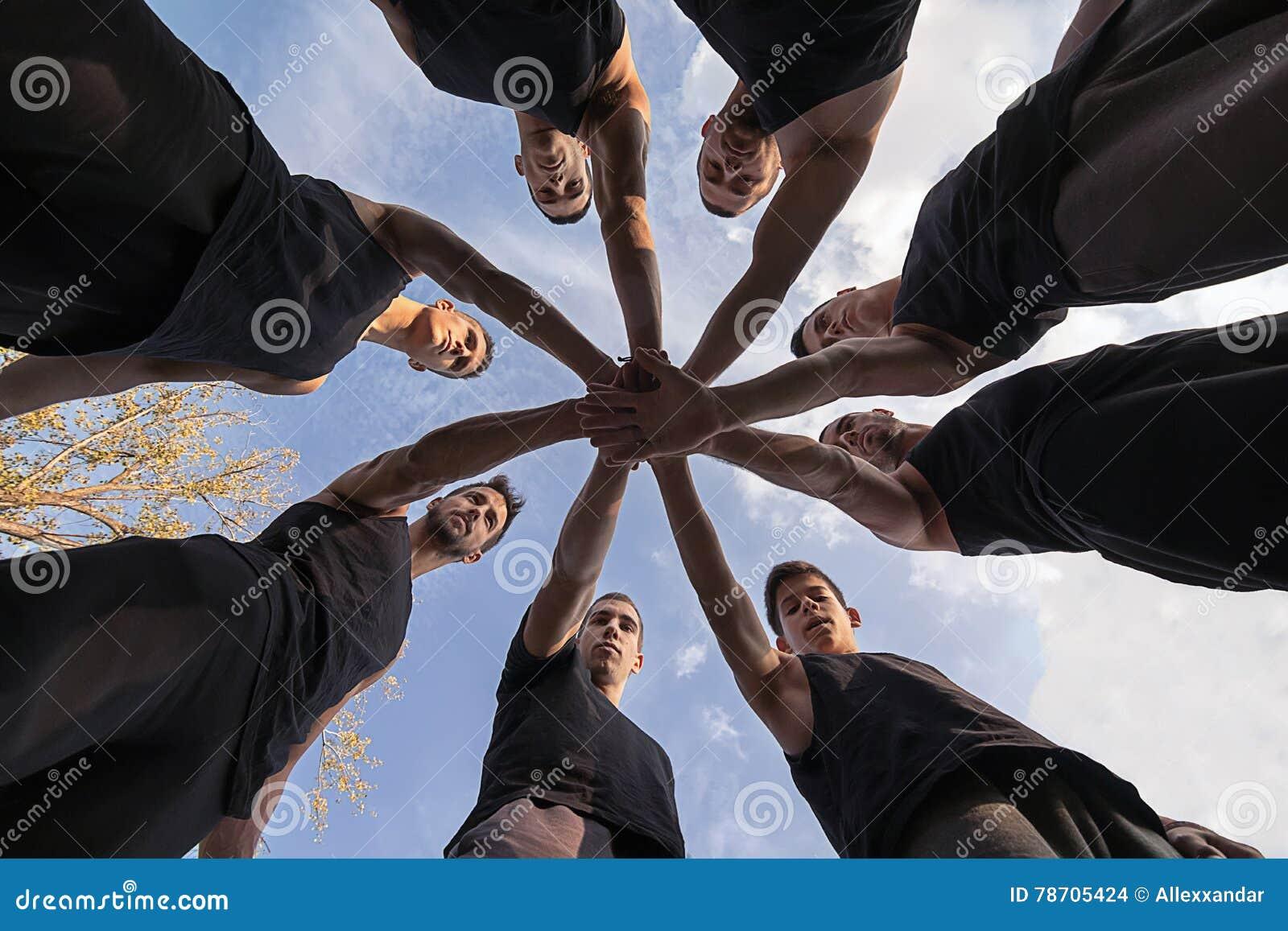 对组织工作 堆积手概念的配合 共同作用