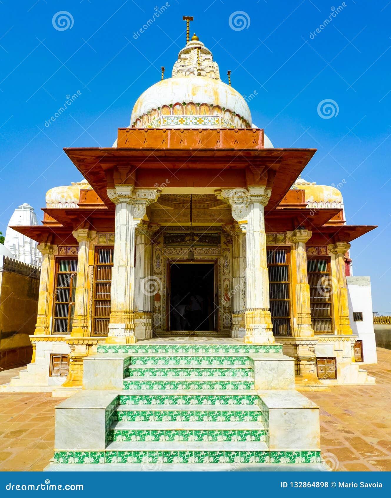 寺庙入口在比卡内尔