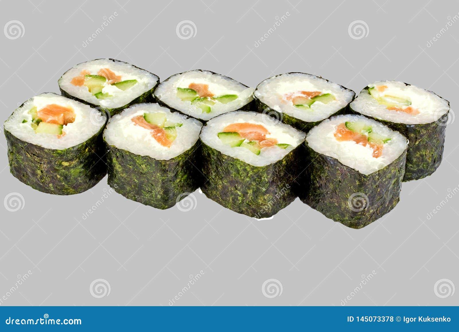 寿司与三文鱼和乳酪的maki卷